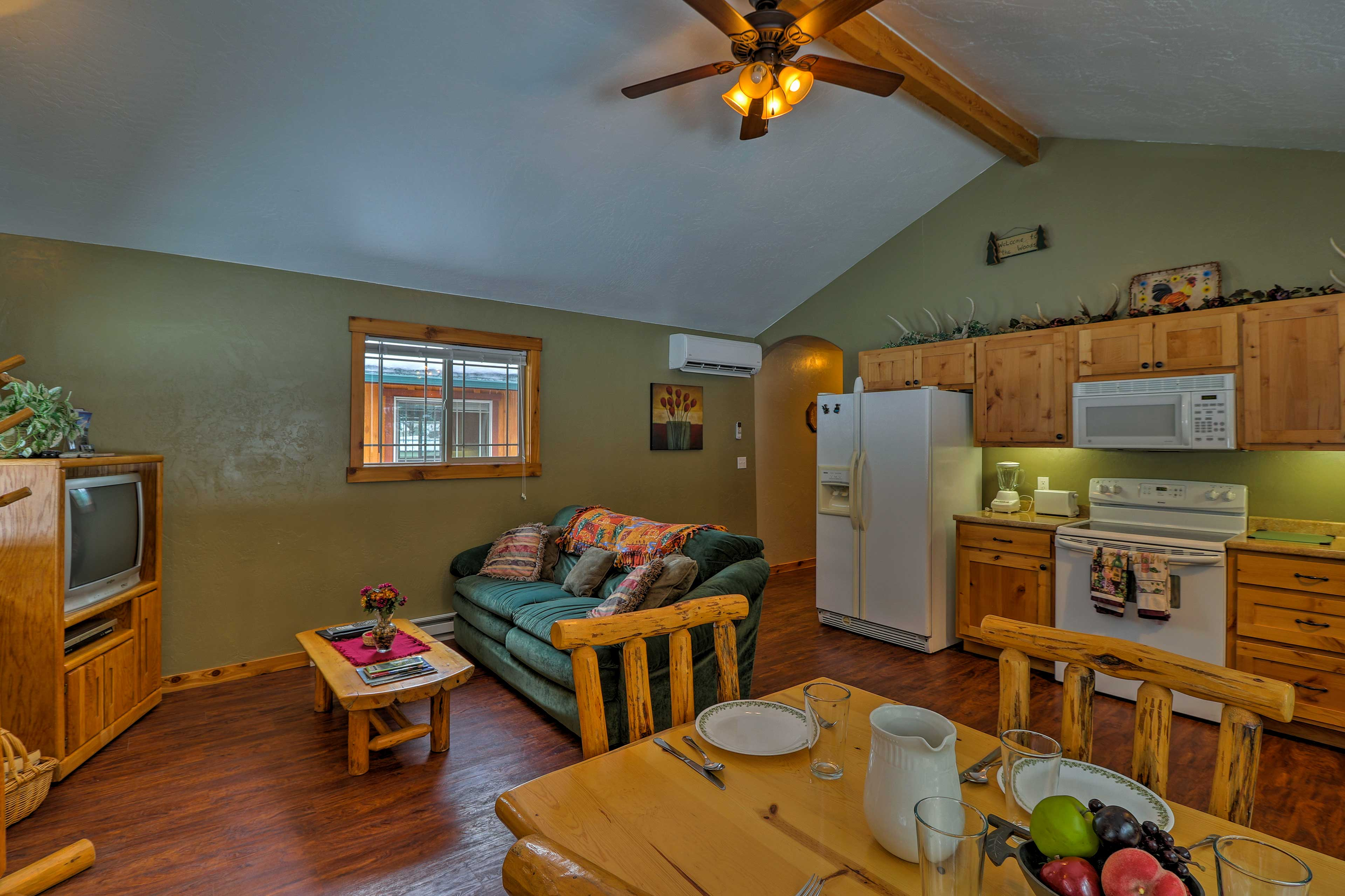 This home is perfect for 4 to 6 guests.