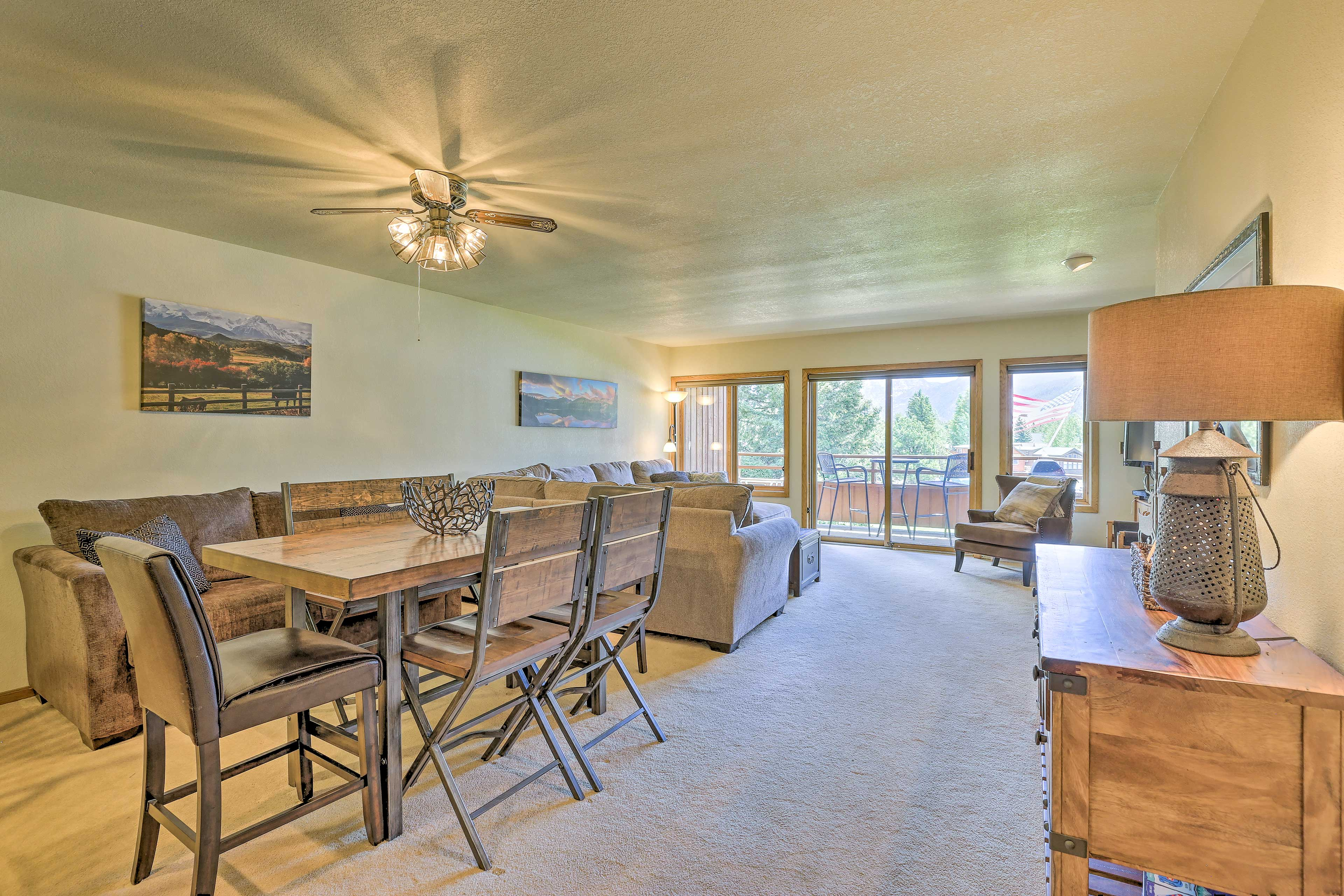 Enjoy home-cooked meals around the dining table with seating for 6.