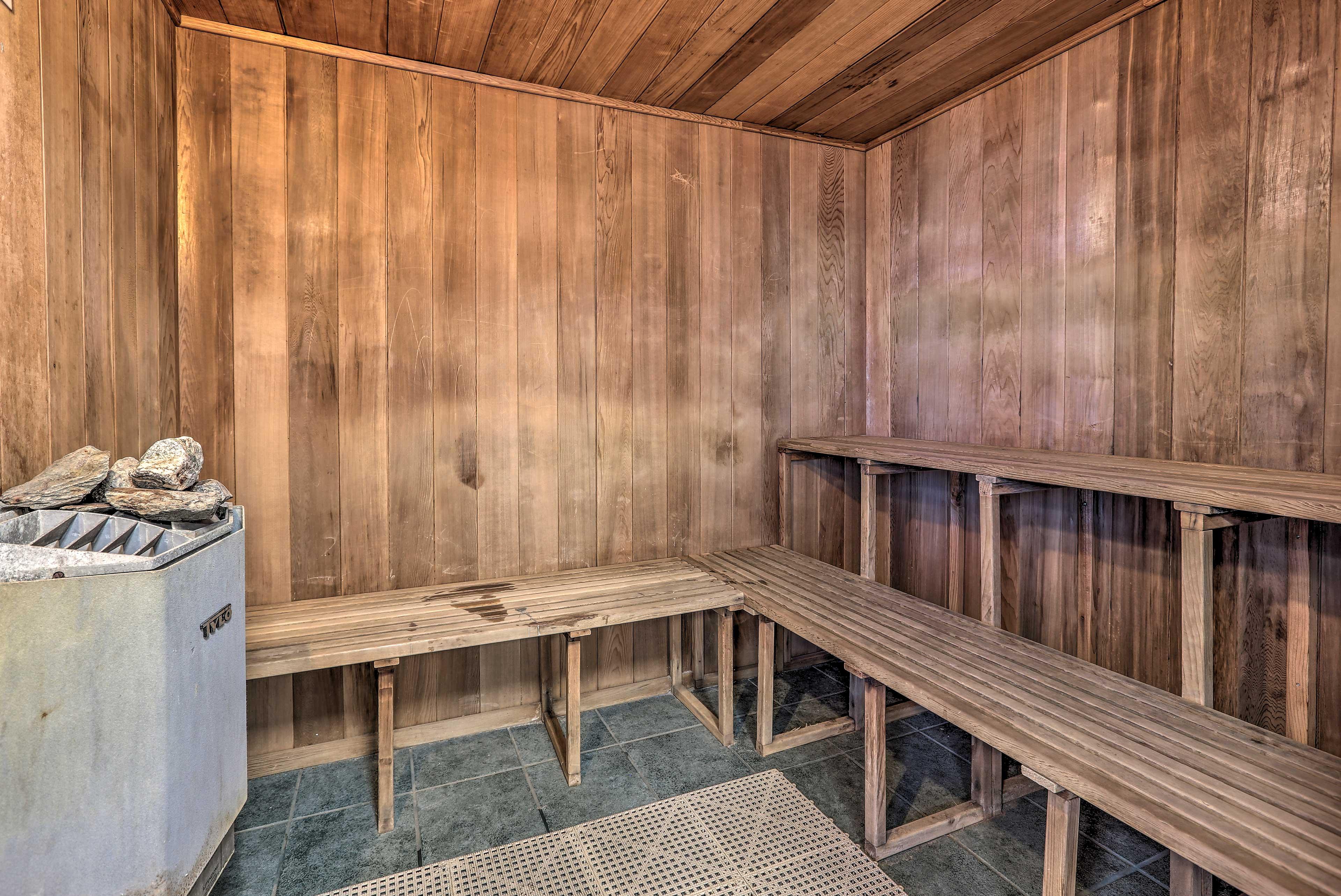 Heat up in the sauna!