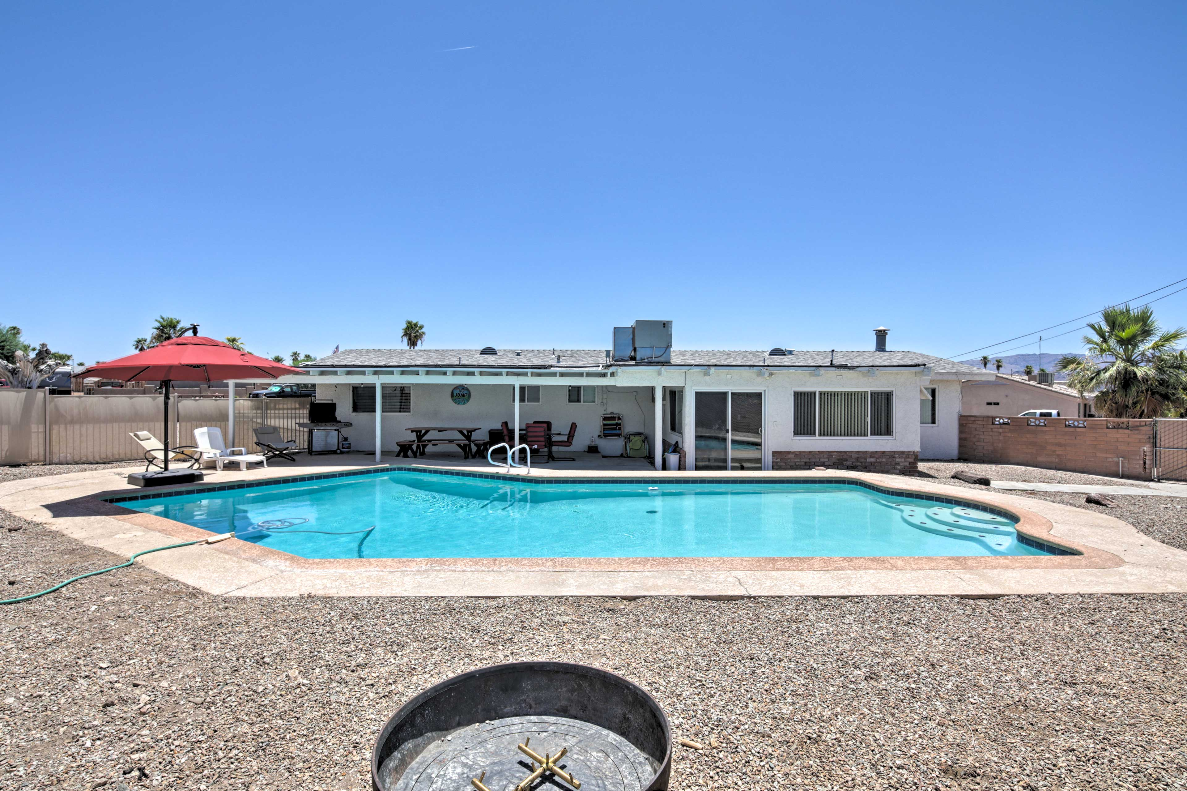 This solar-heated pool is the perfect place to cool off on balmy Arizona days.