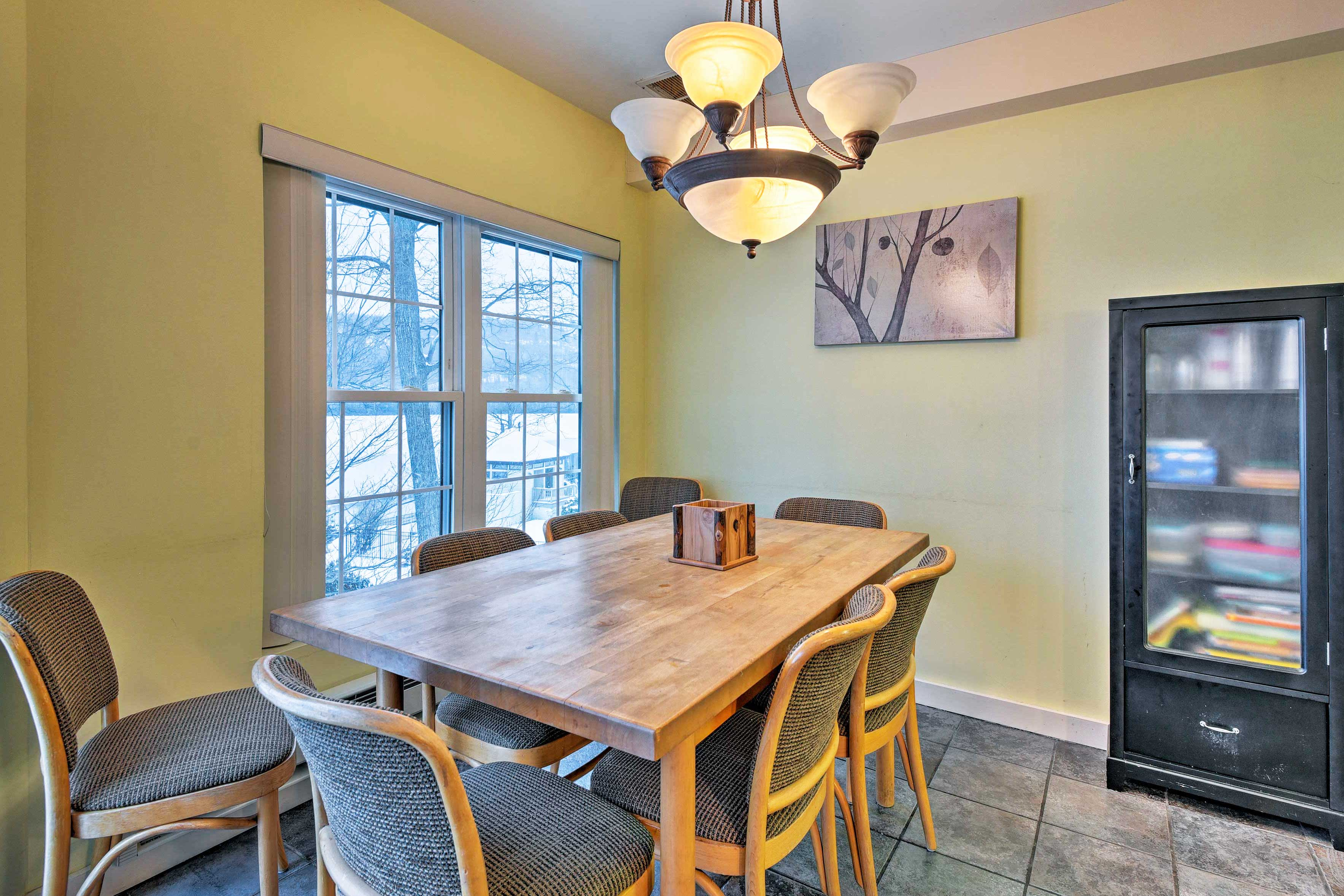 Dine at the large wood table or on the furnished deck!