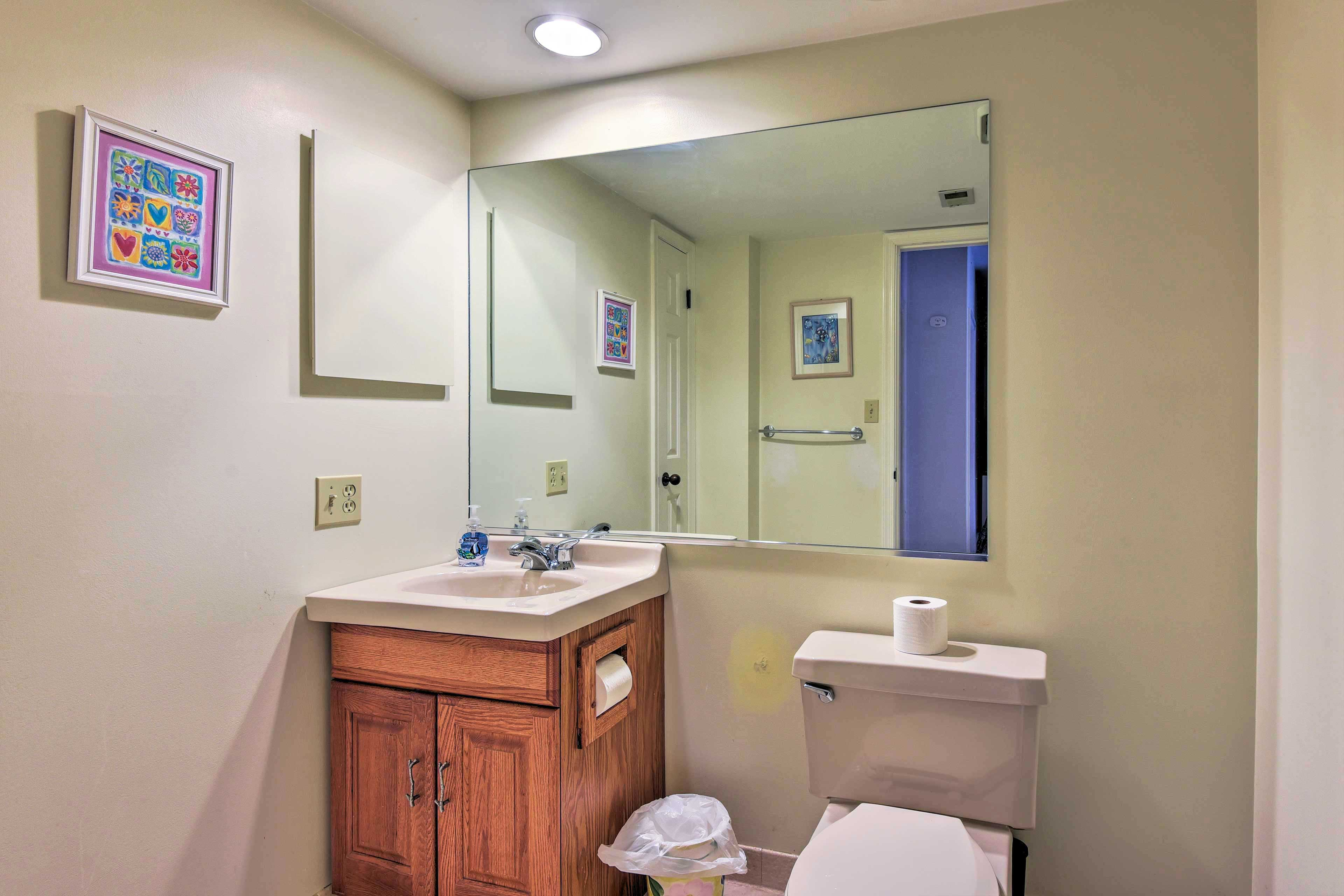 Easily freshen up in one of 3 bathrooms!