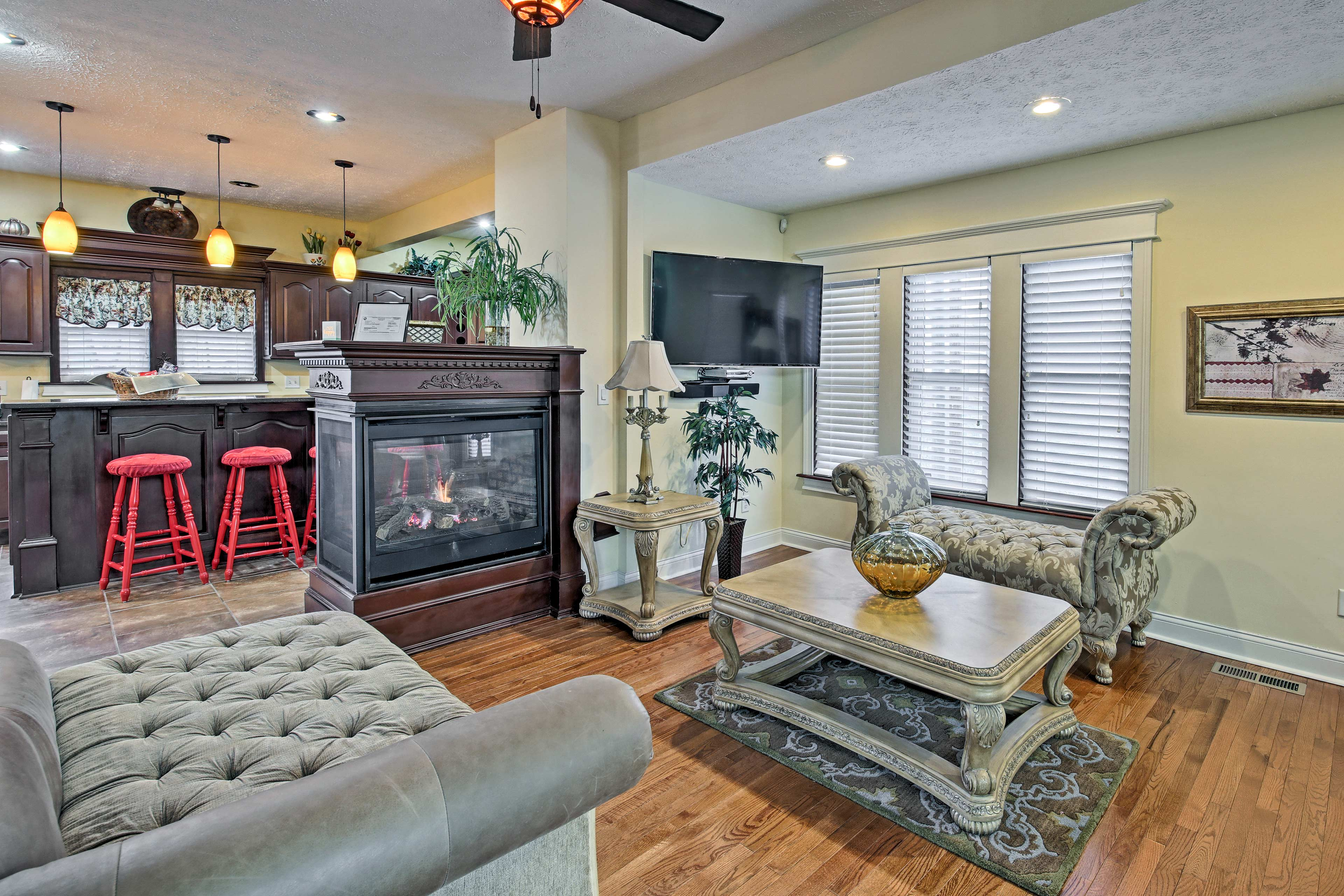 The home comfortably accommodates up to 12 guests.