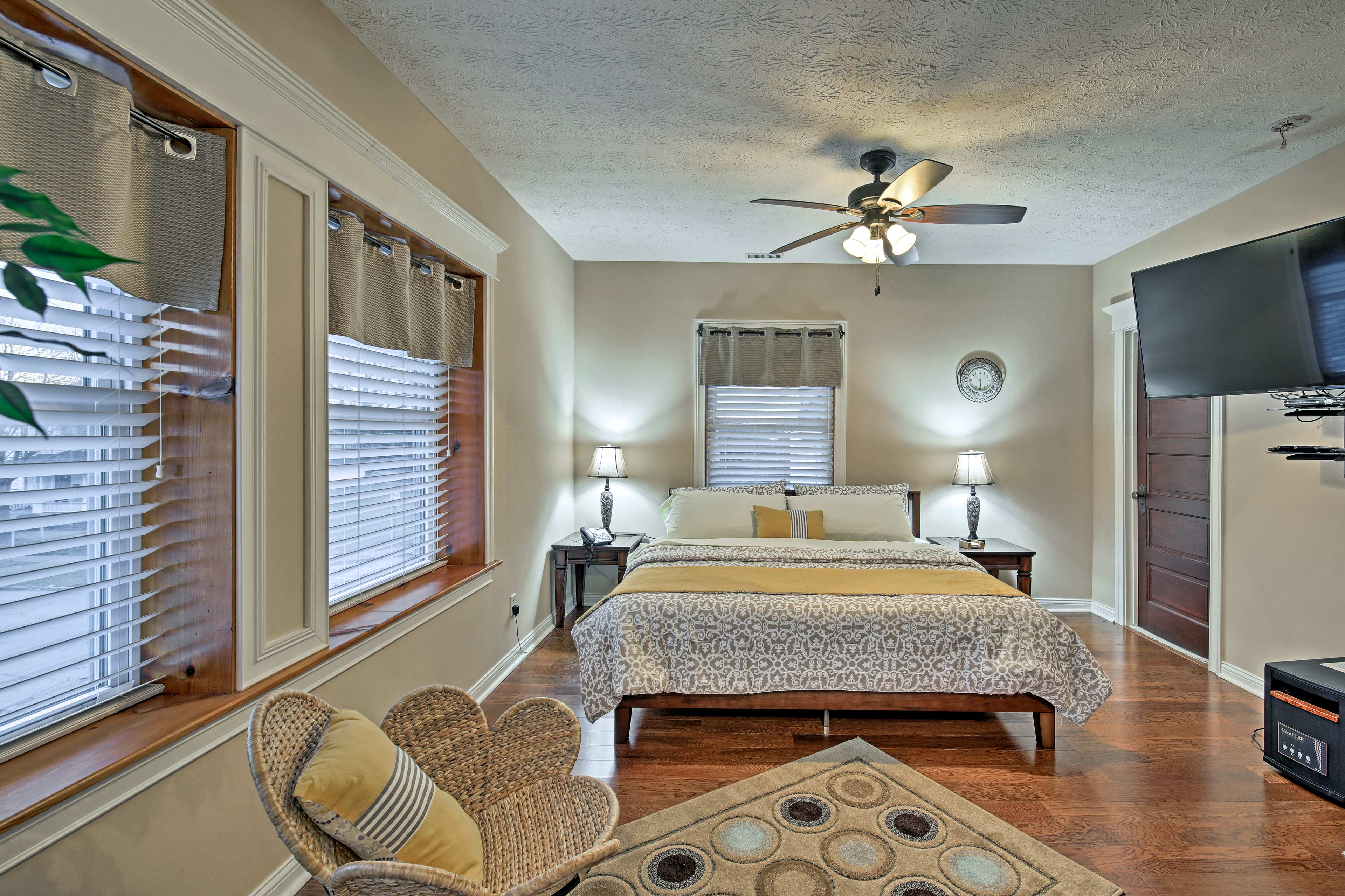 Two lucky guests will sleep well in the master bedroom.