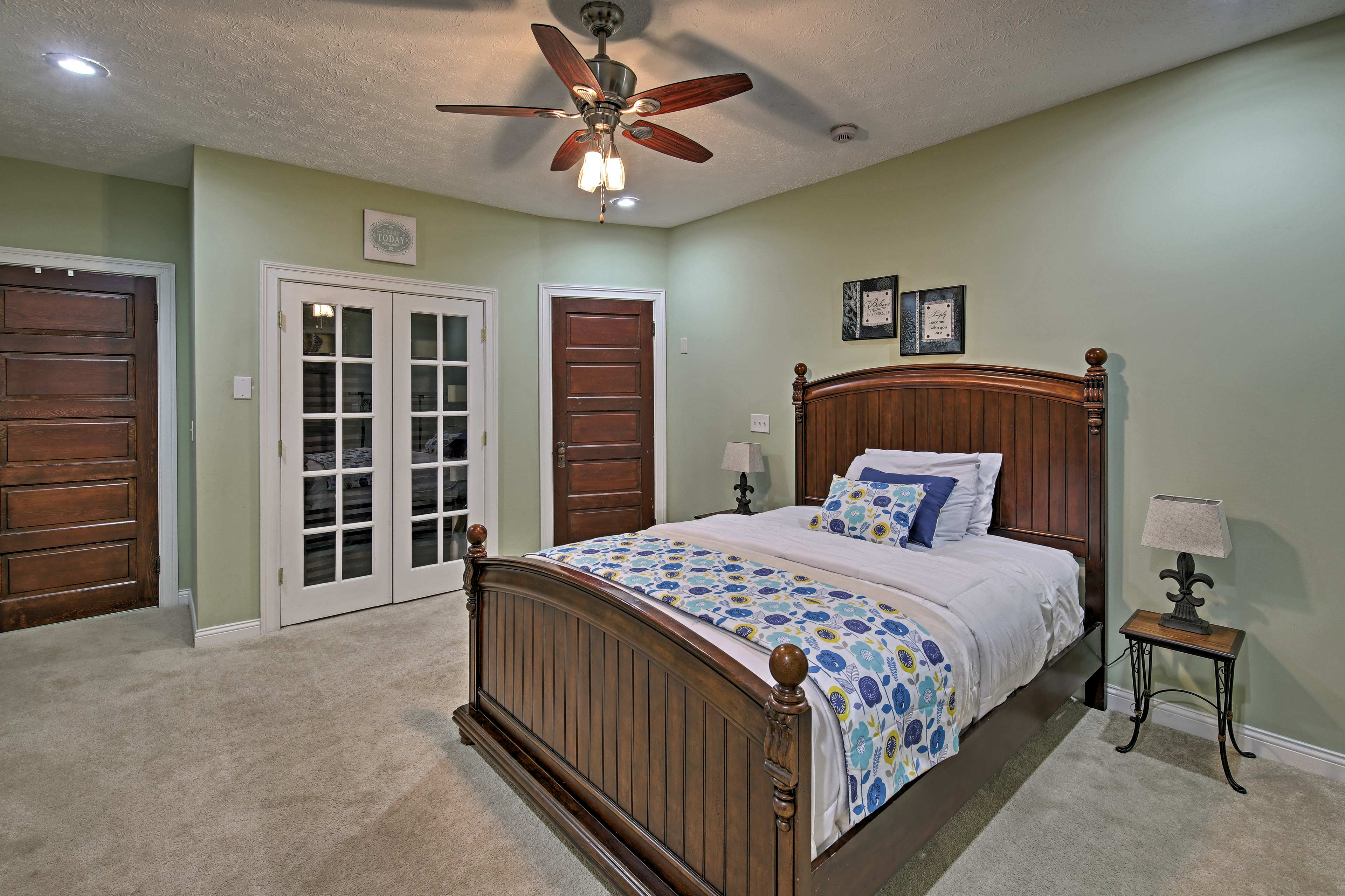 Dive under the covers of this queen bed!