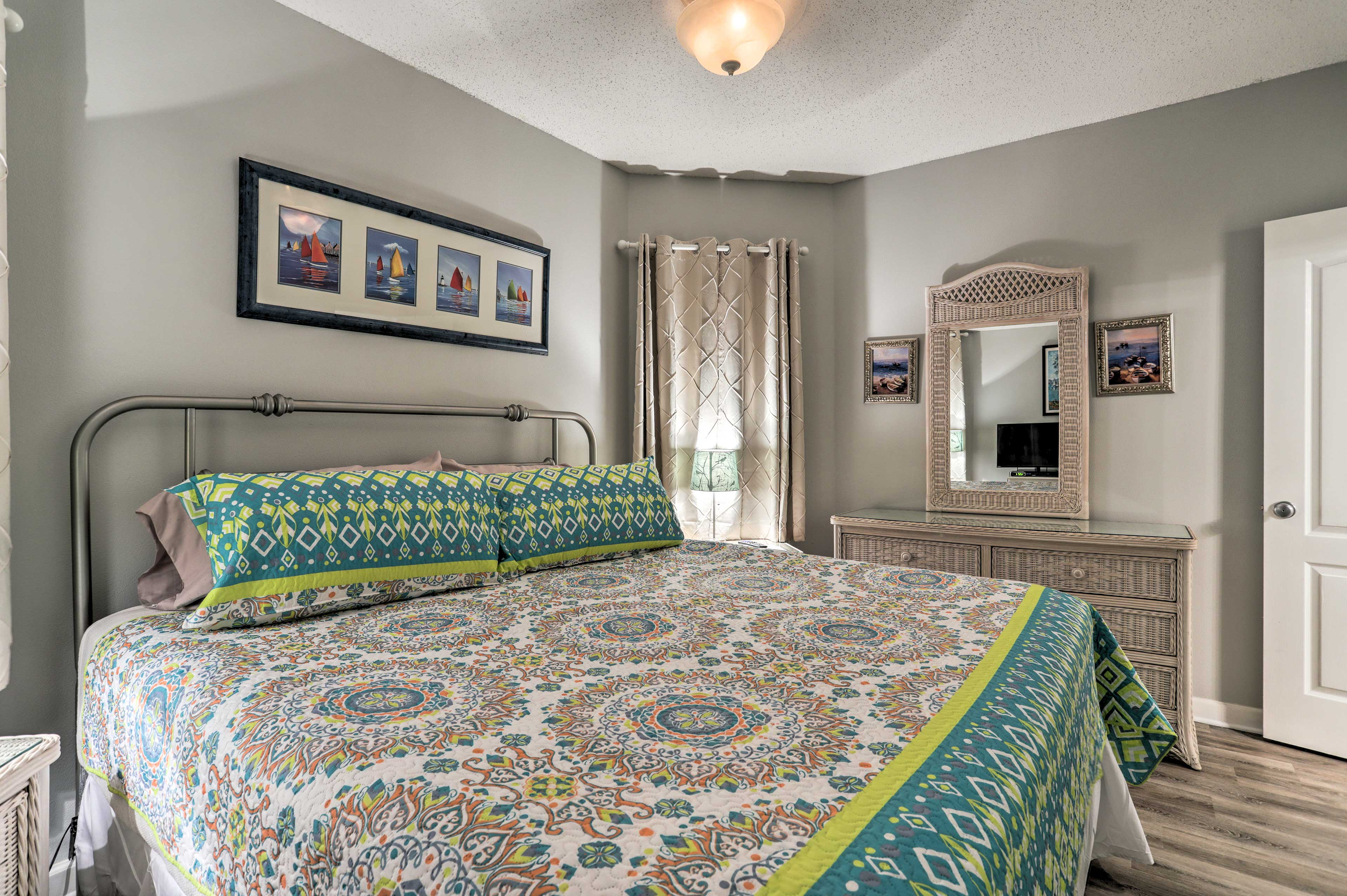 You're sure to sleep soundly on the king bed in the second bedroom.
