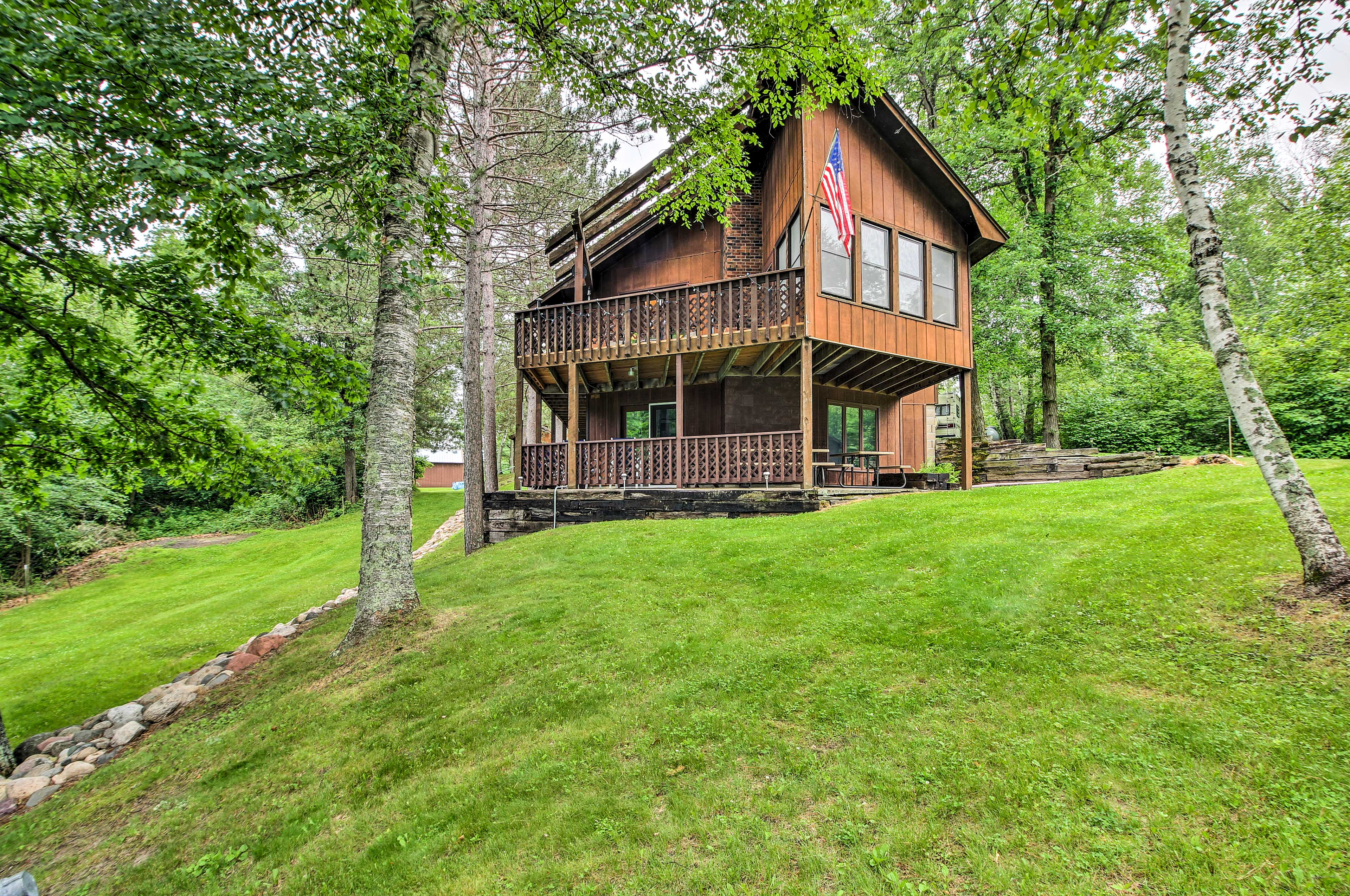 Escape to beautiful Minnesota at this 3-bedroom vacation rental in Fifty Lakes.