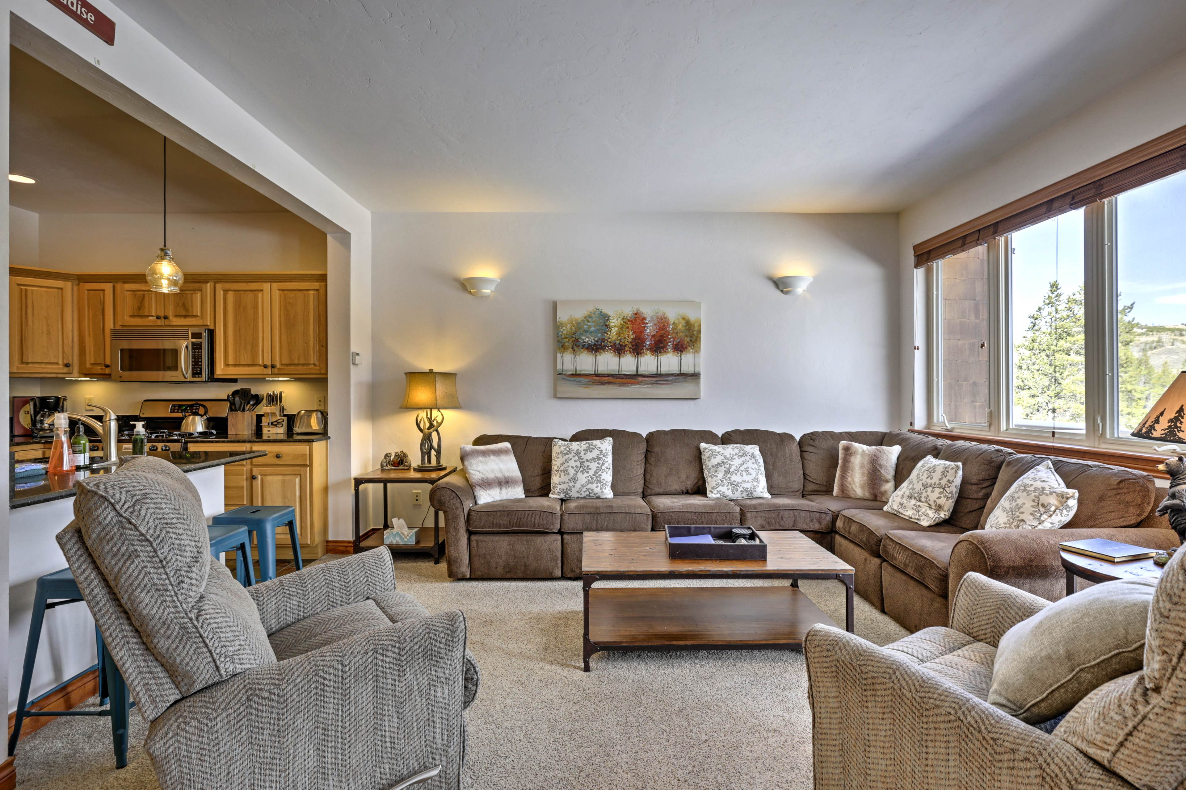 This condo comfortably accommodates 12 guests.