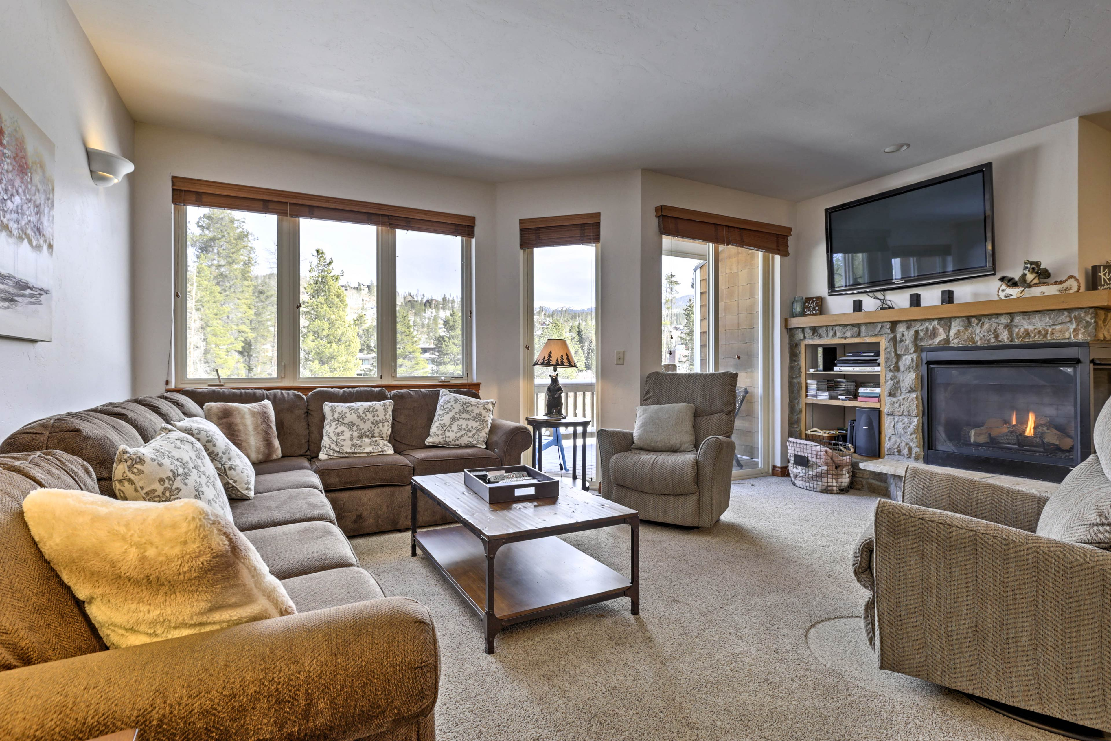 You'll feel right at home in this well-appointed living area.