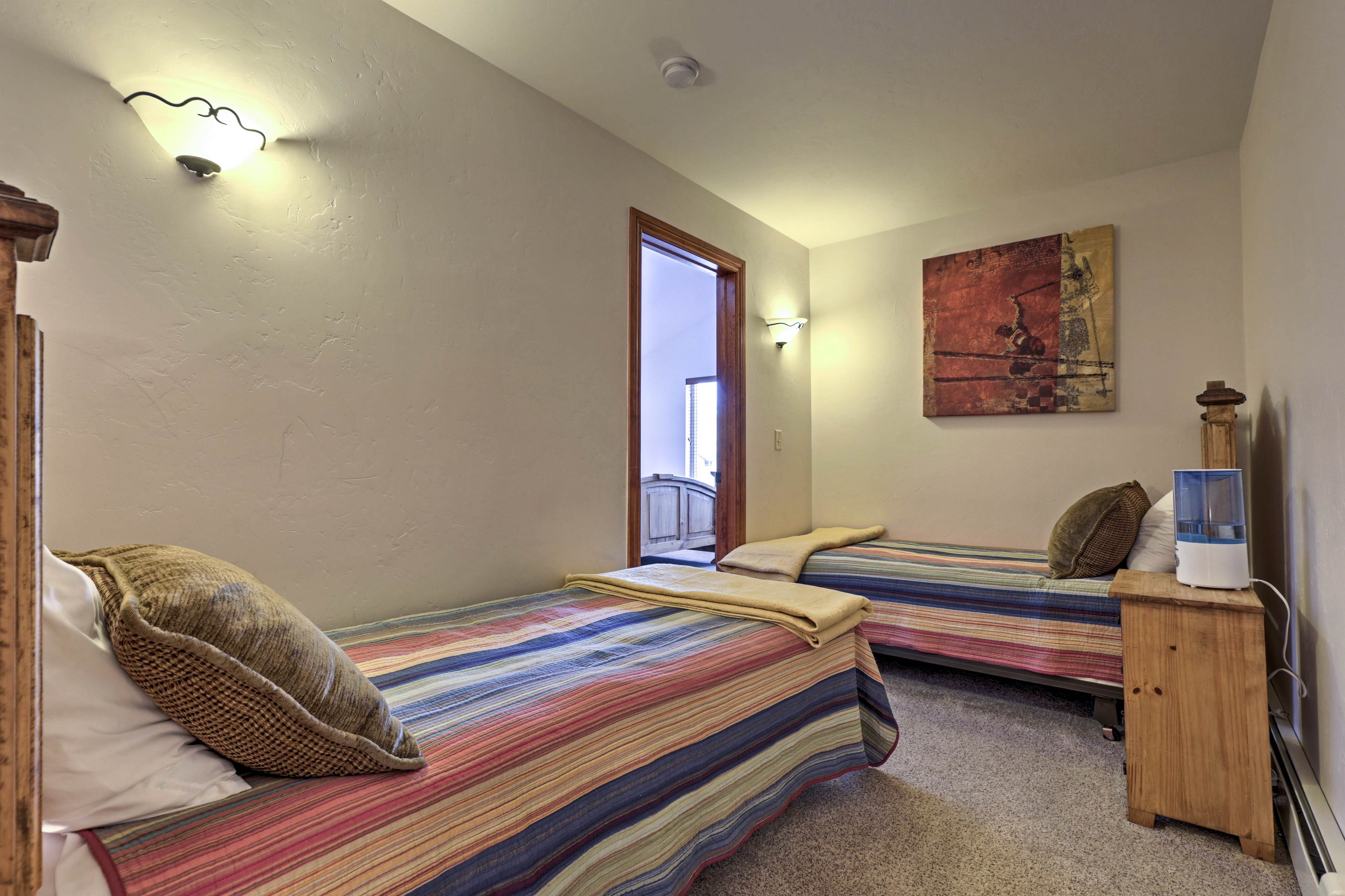 Additional sleeping for 2 is available in the loft.