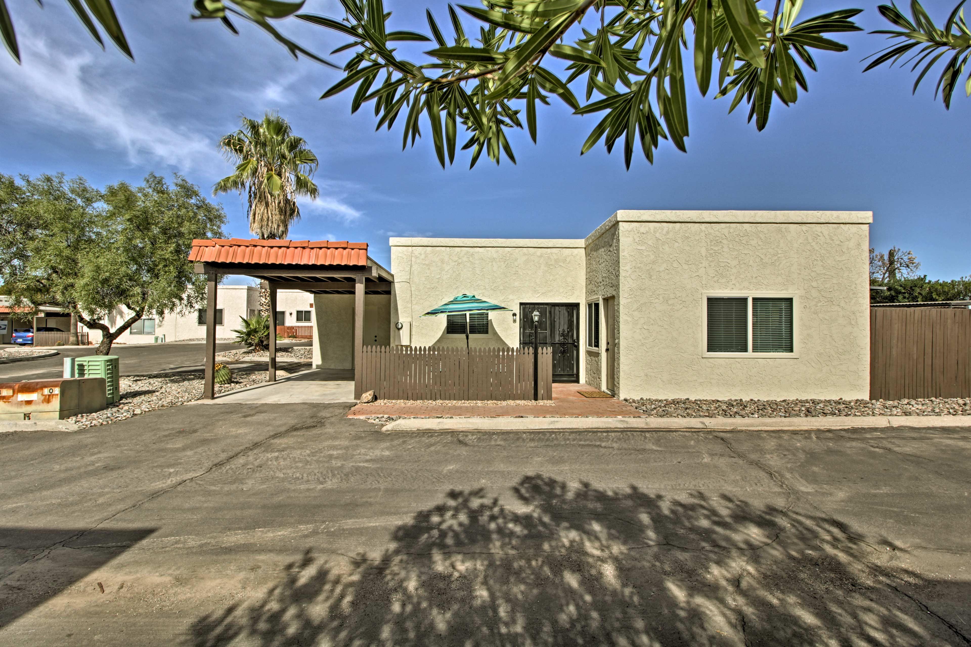 This stucco house boasts an Arizona atmosphere to make you feel like a local.