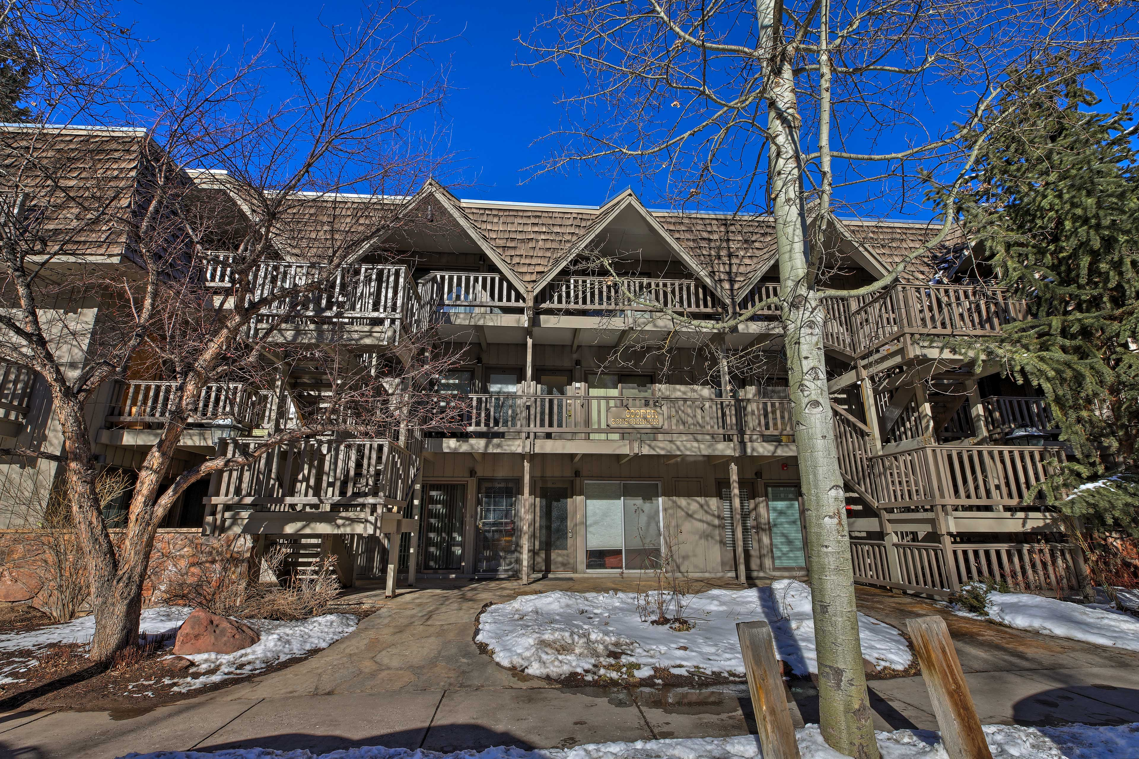 This condo will give you all the best of Aspen just a short walk away!
