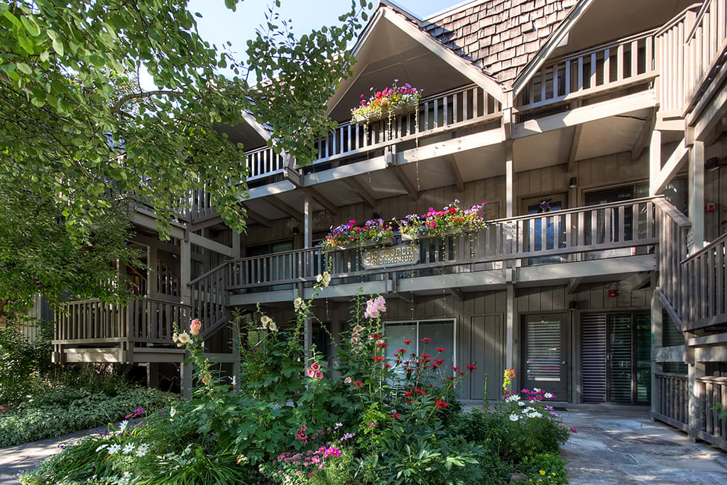 An incredible condo and unbeatable location completes your Aspen getaway.