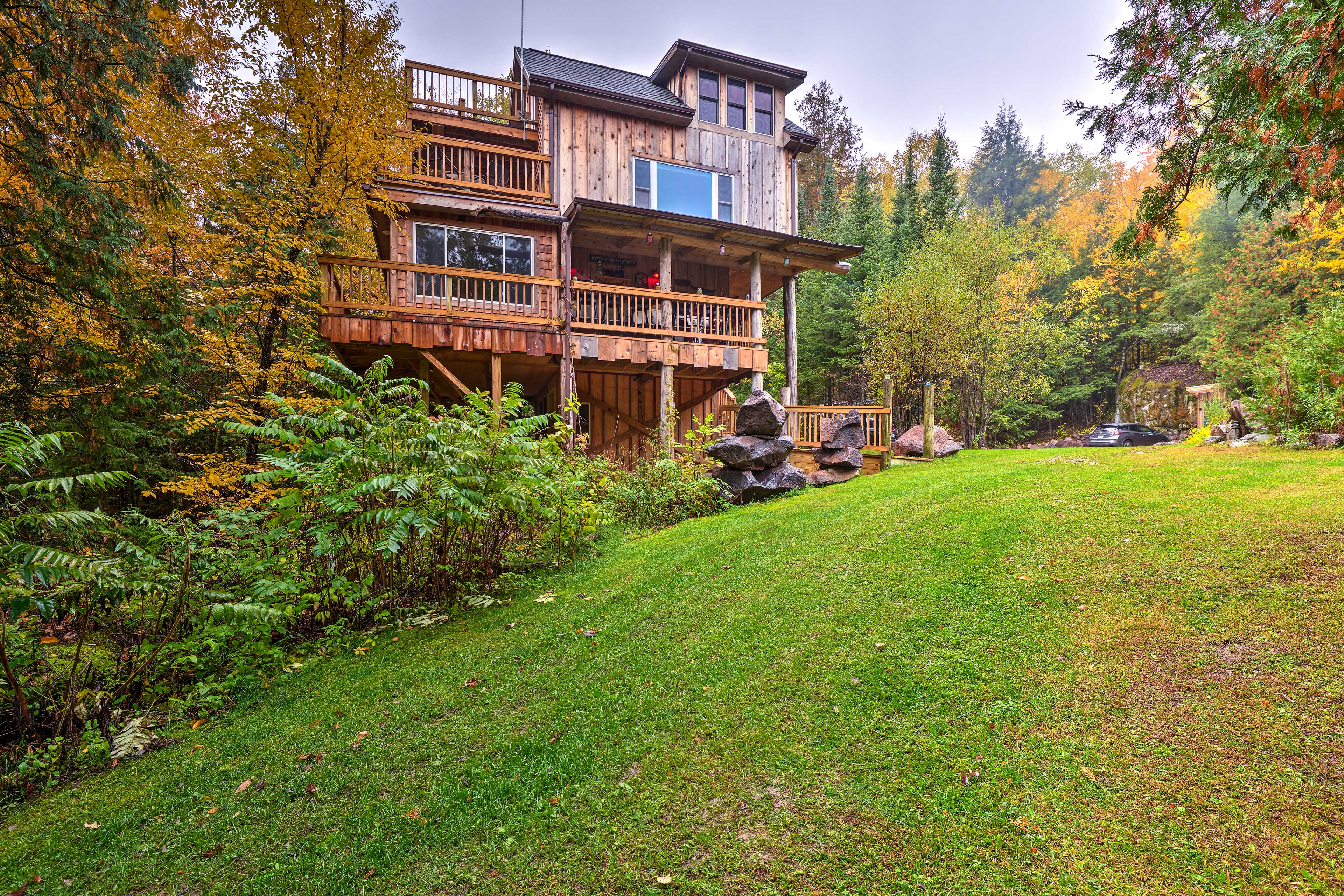 Modern amenities have been perfectly blended with rustic charm at 'Eagles Nest!'