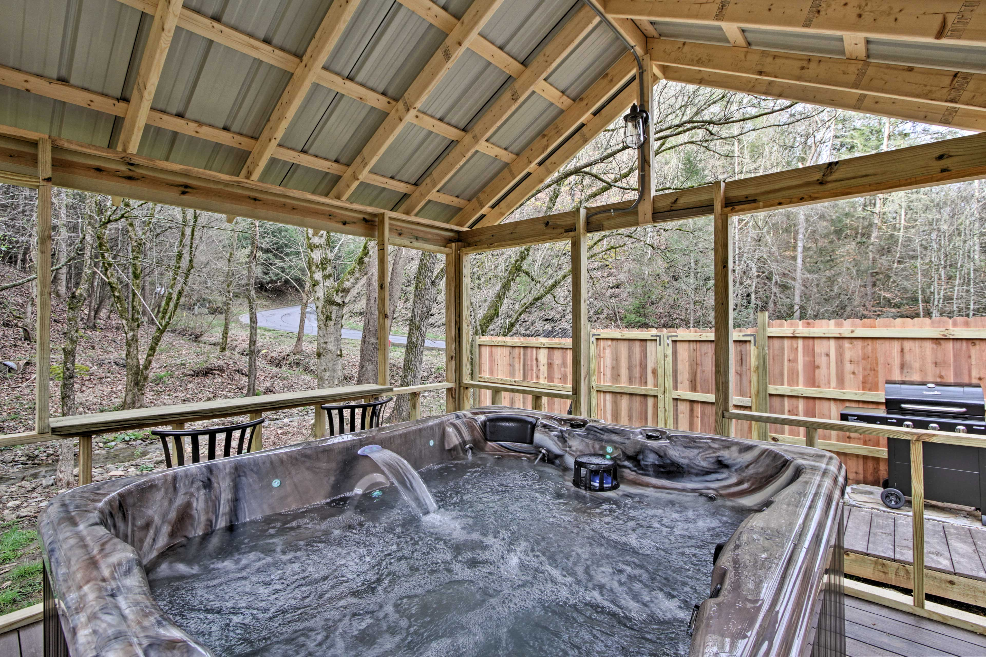 Soak in the hot tub during your stay at 'Just Fur Relaxin'