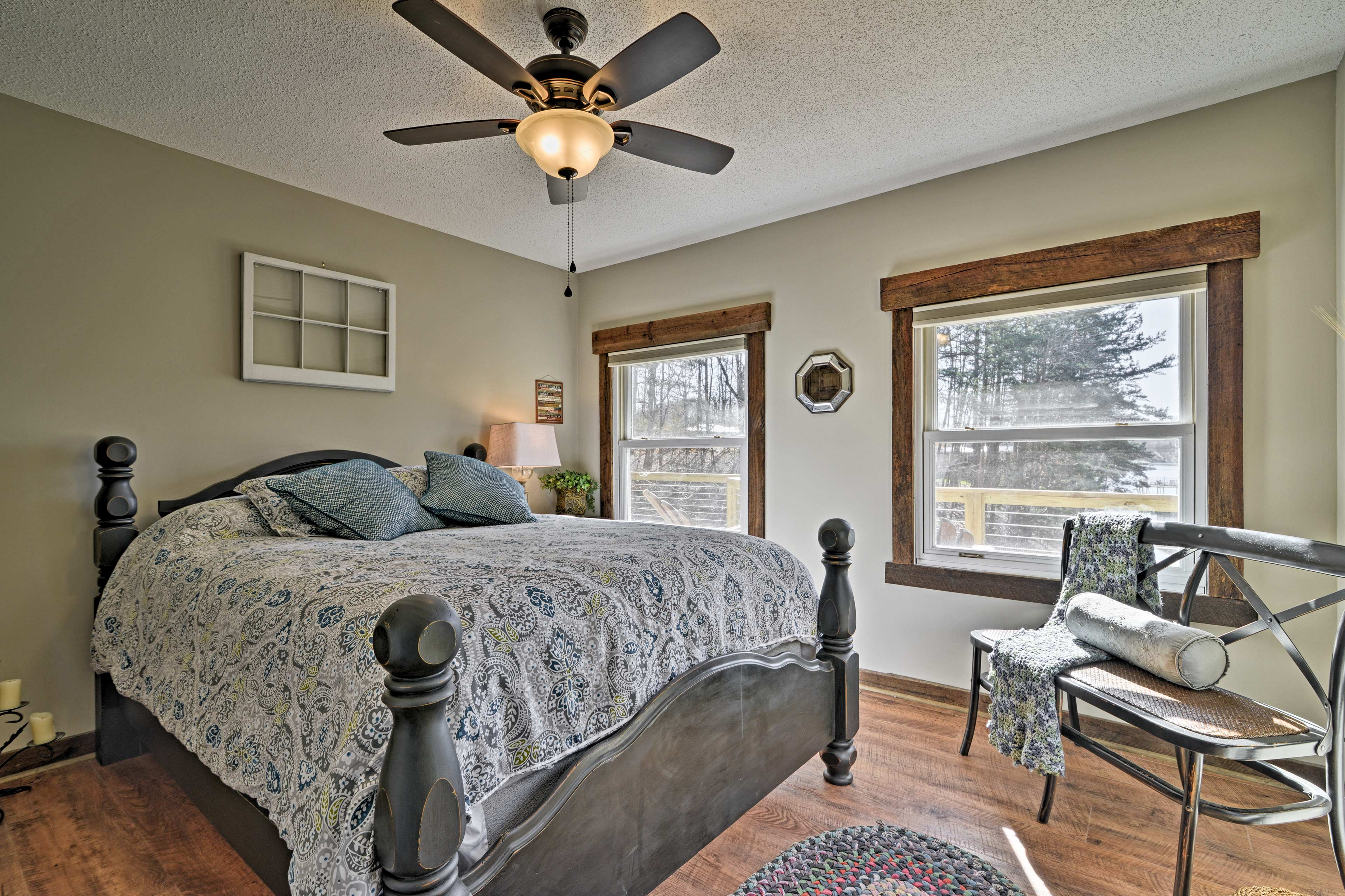 Two bedrooms have queen beds and one has a king bed.