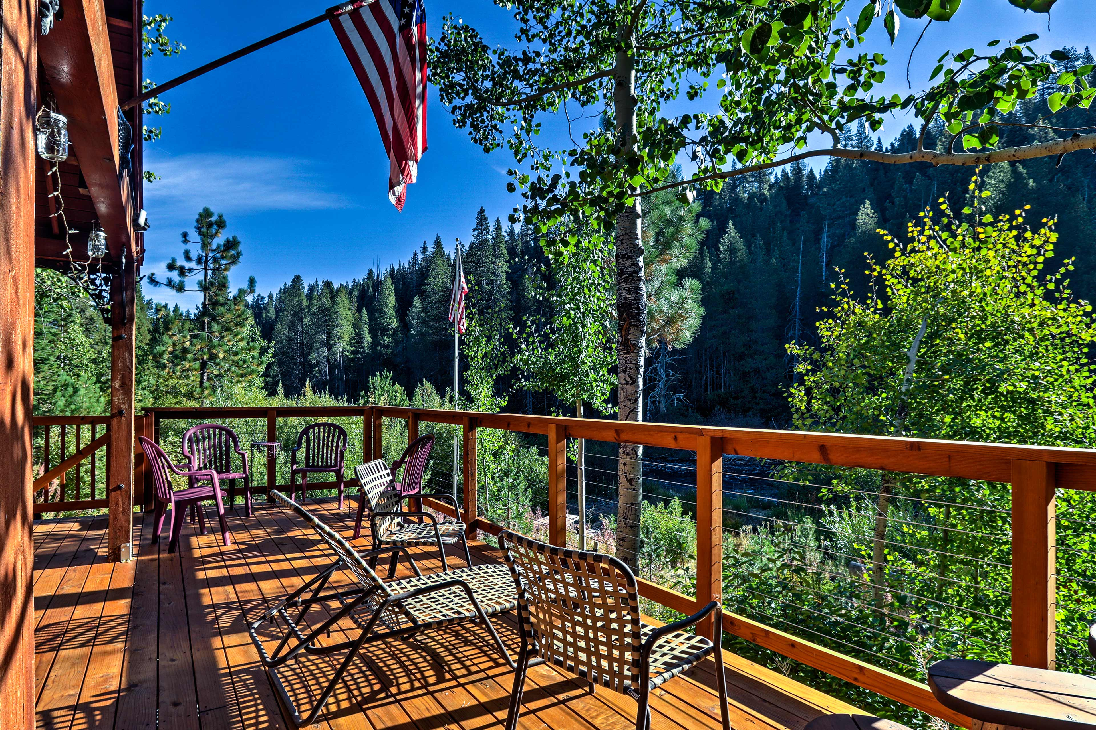Escape to this Truckee riverfront vacation rental with 3 bedrooms and 1.5 baths.