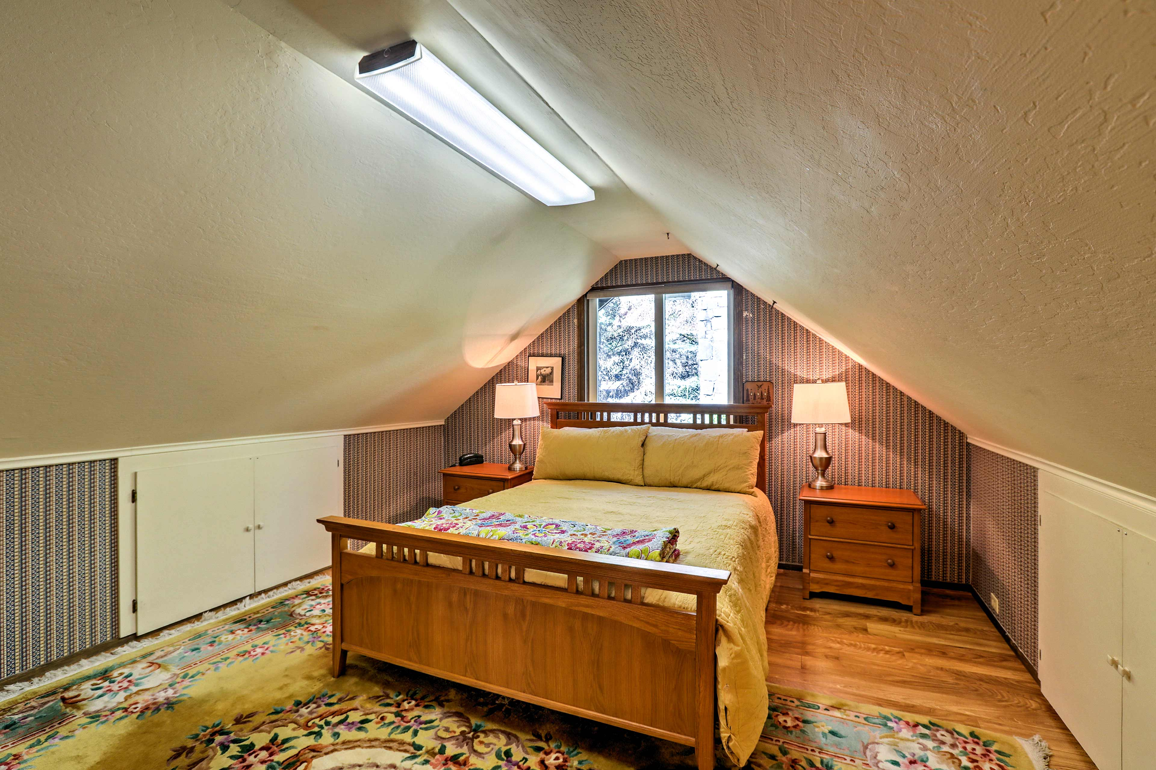 Upstairs in the loft-style bedroom, you'll find optimum sleeping accommodations.