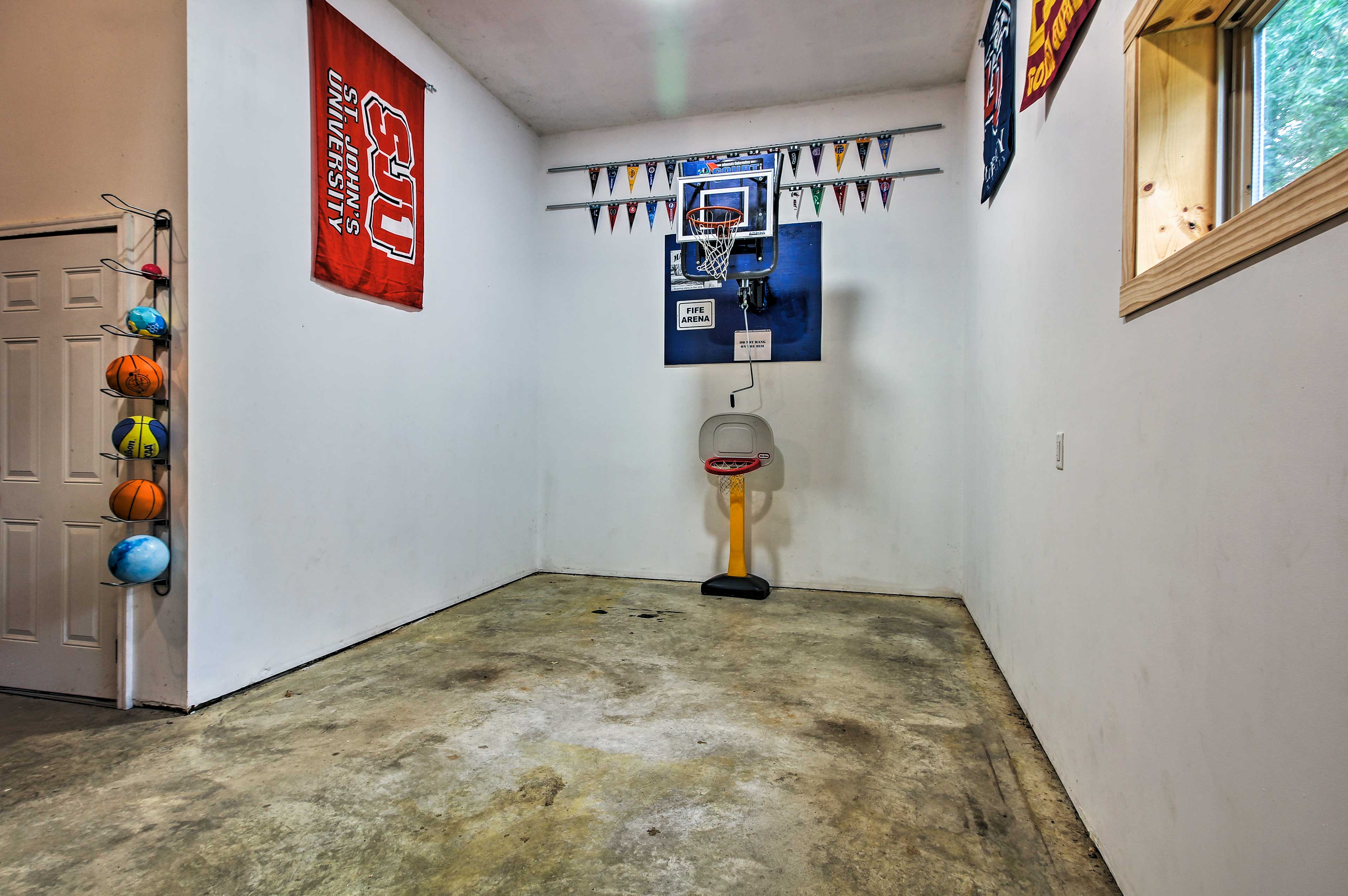 Shoot some hoops at the mini indoor basketball court.