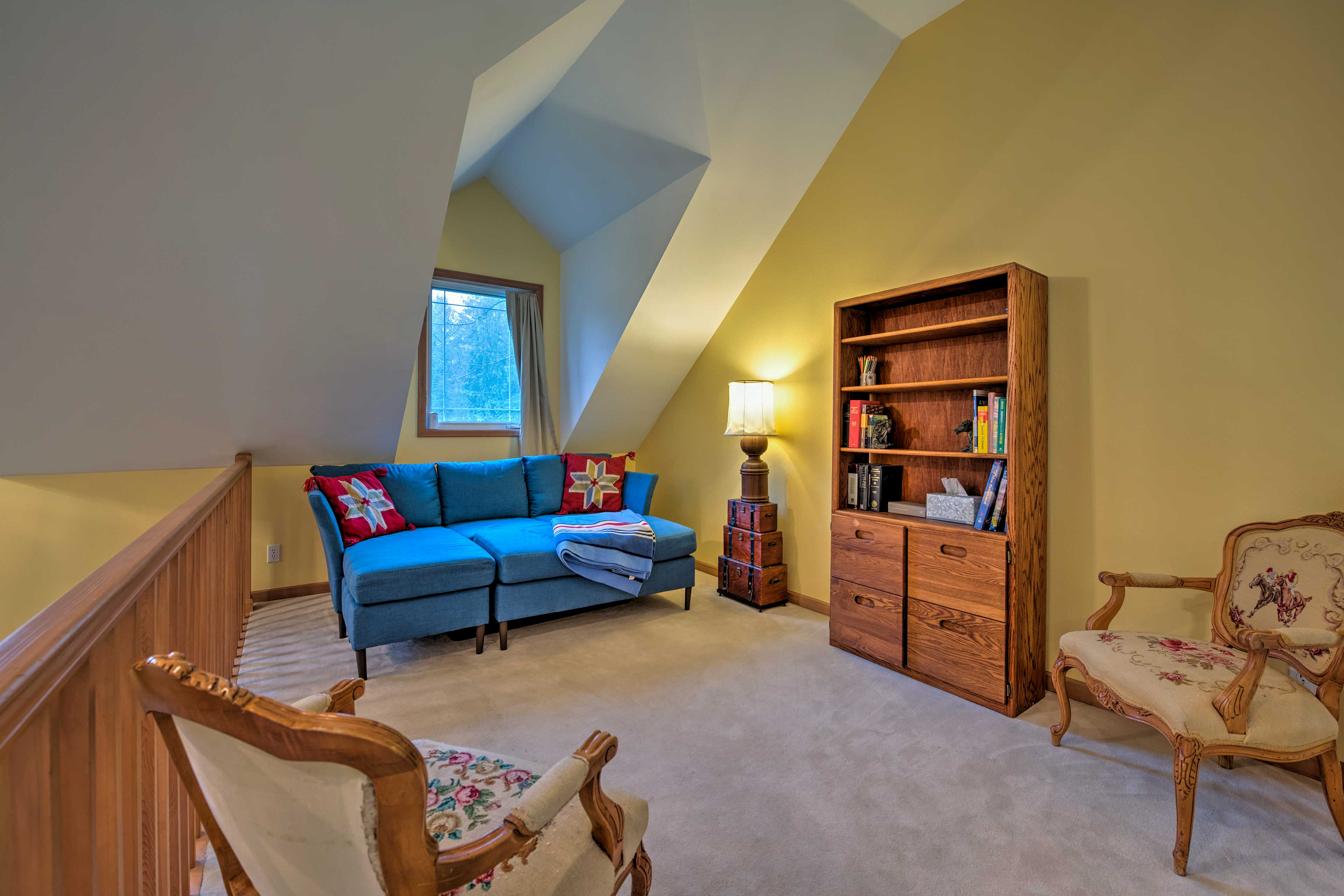 An additional twin bed can be found upstairs.