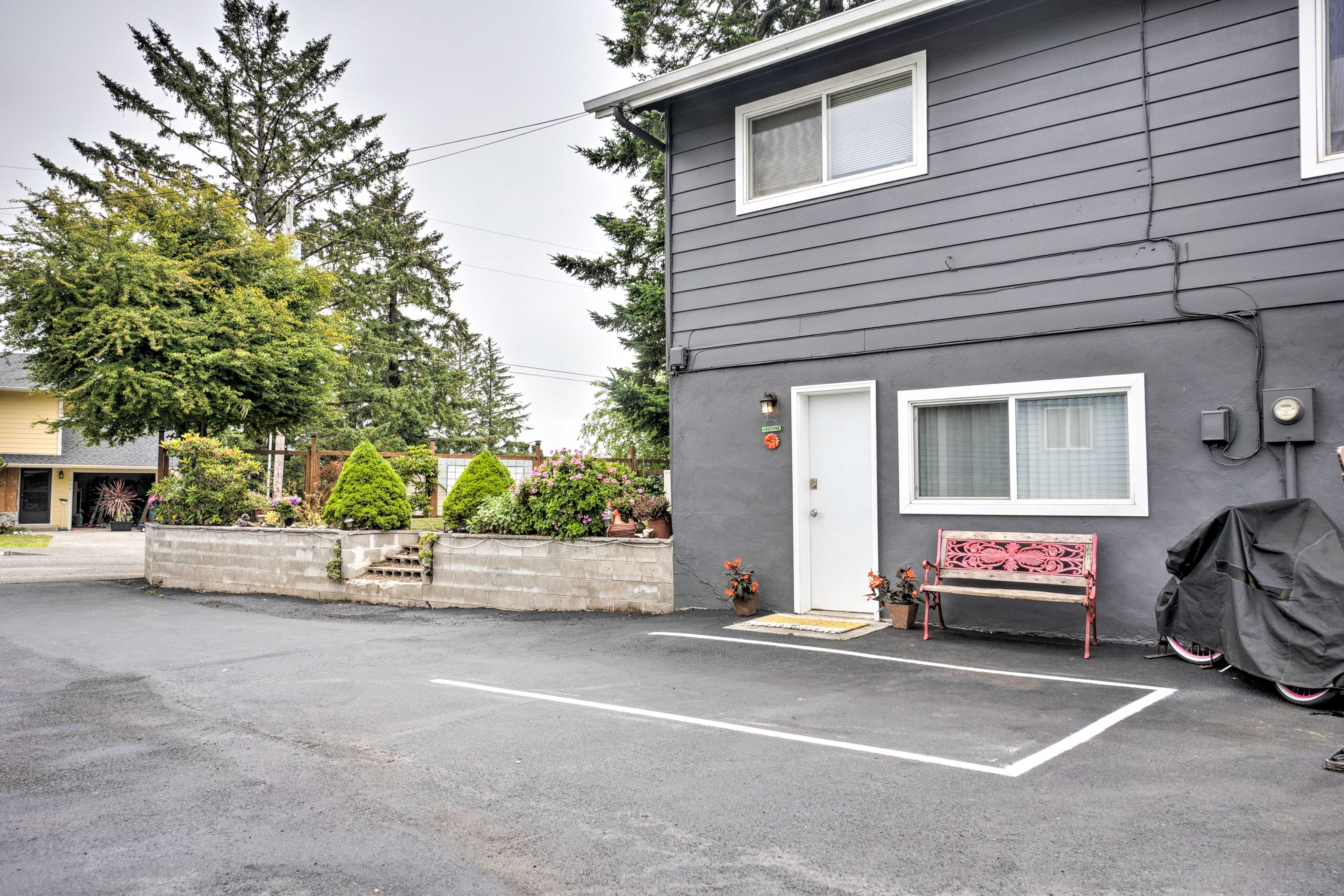 Outside offers a shared driveway with parking for 2.