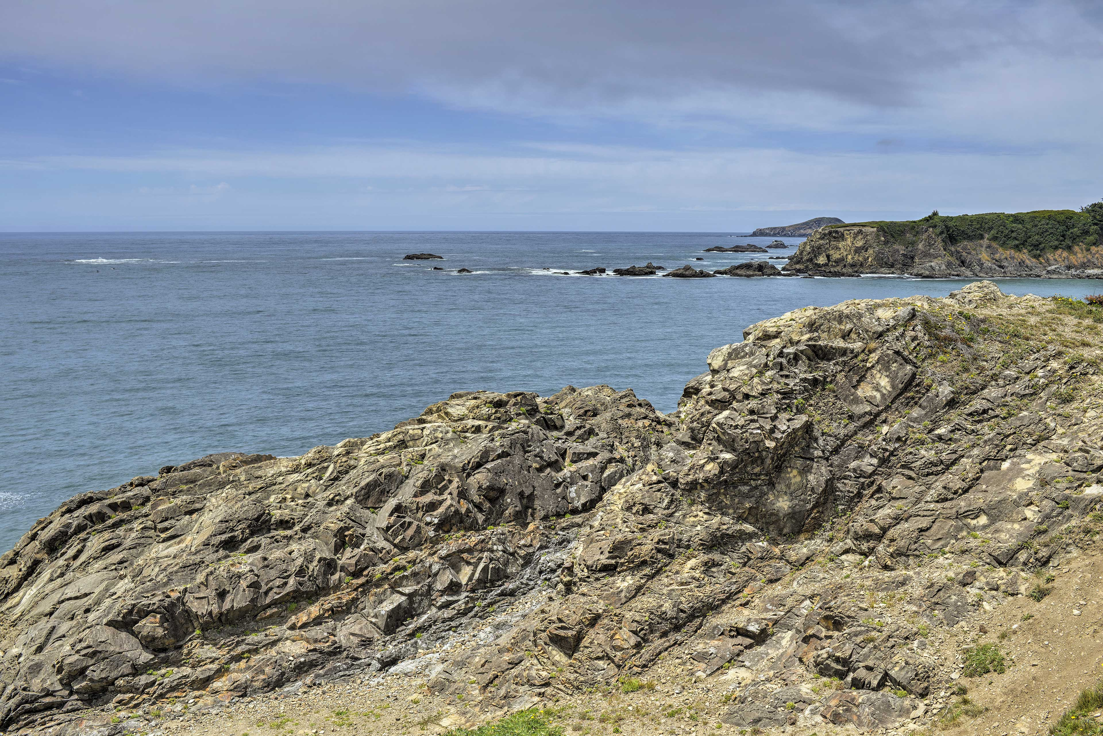 Stroll down the street to find views of Yellow, Mussel, and Hump Rock!