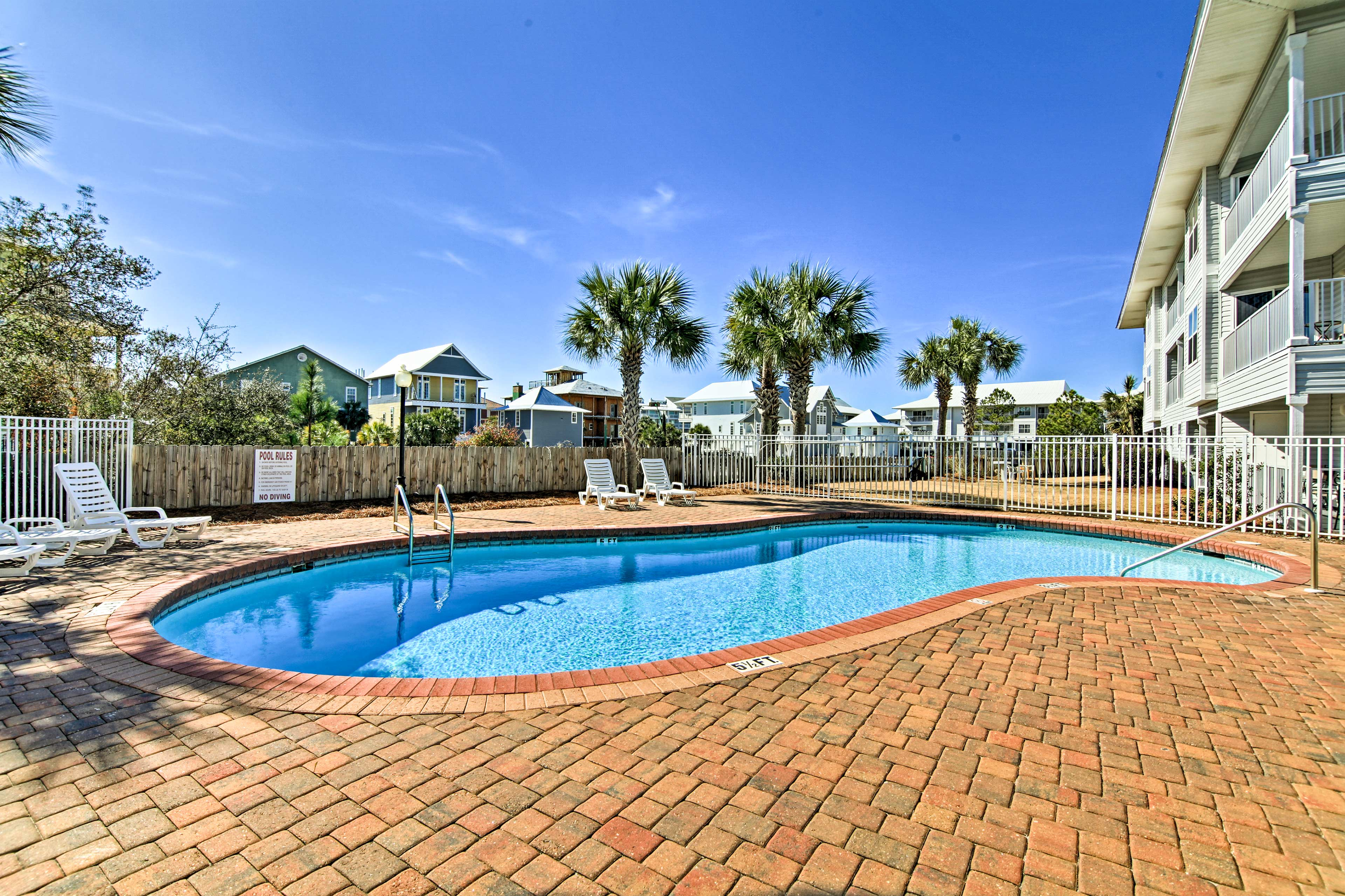 The Sunshine State awaits at this vacation rental condo in Seagrove Beach.