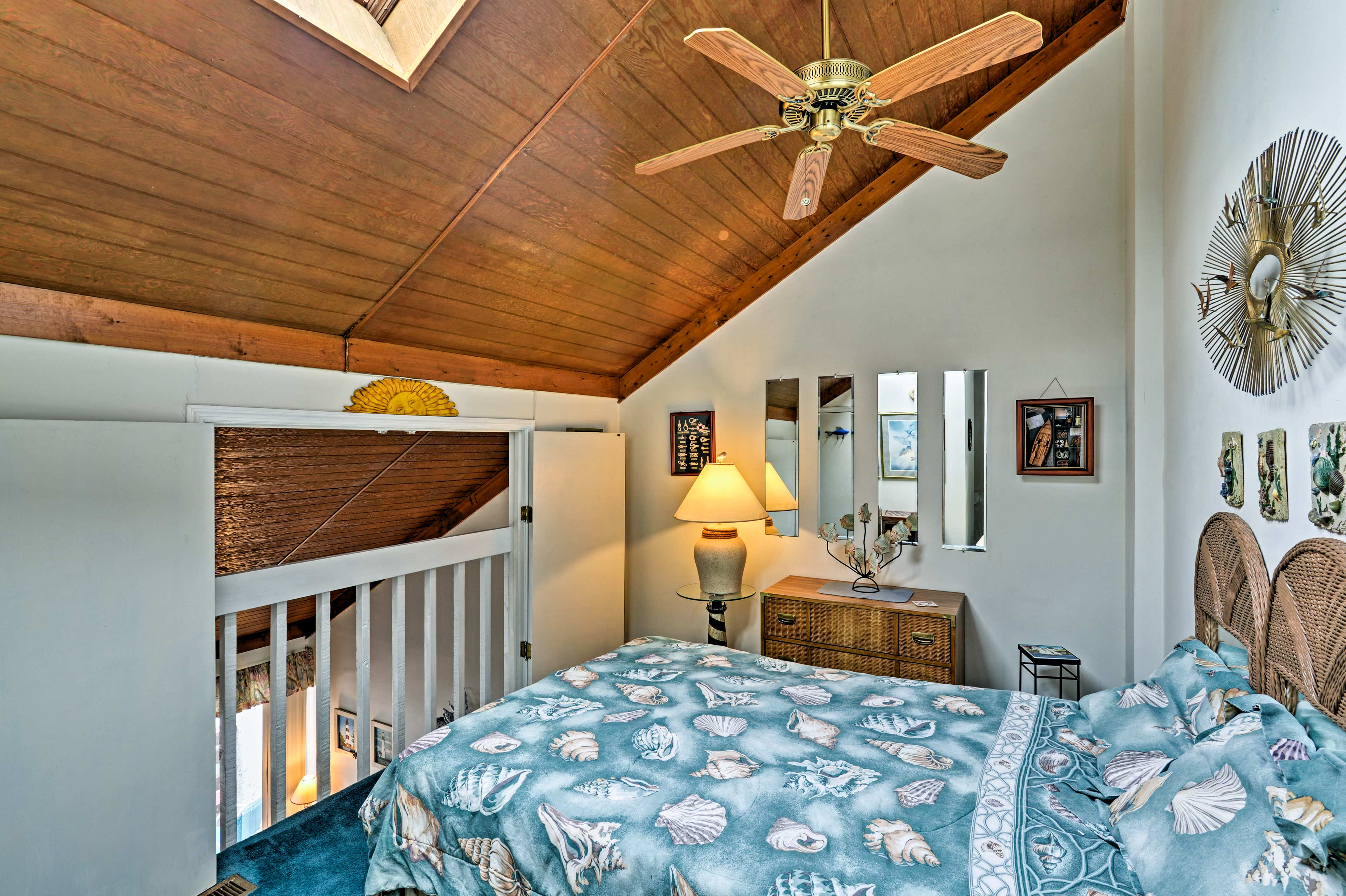 Keep cool under the ceiling fans even on balmy summer days.