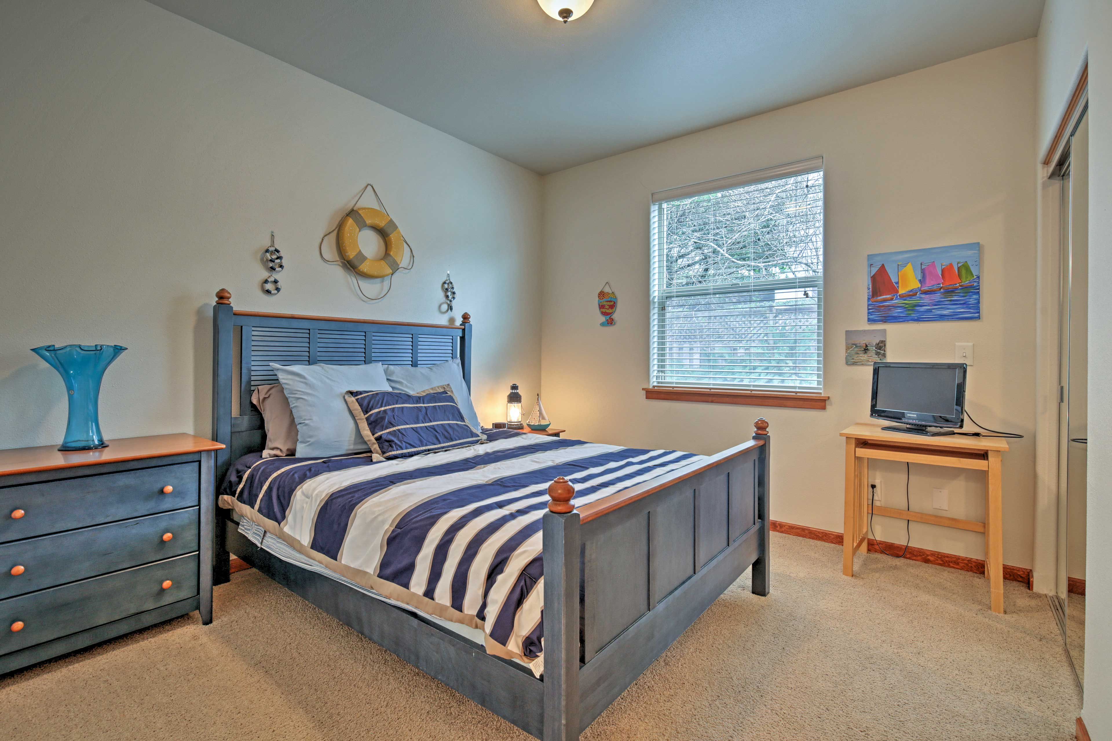 Choose one of the 2 bedrooms to call your own during your stay.