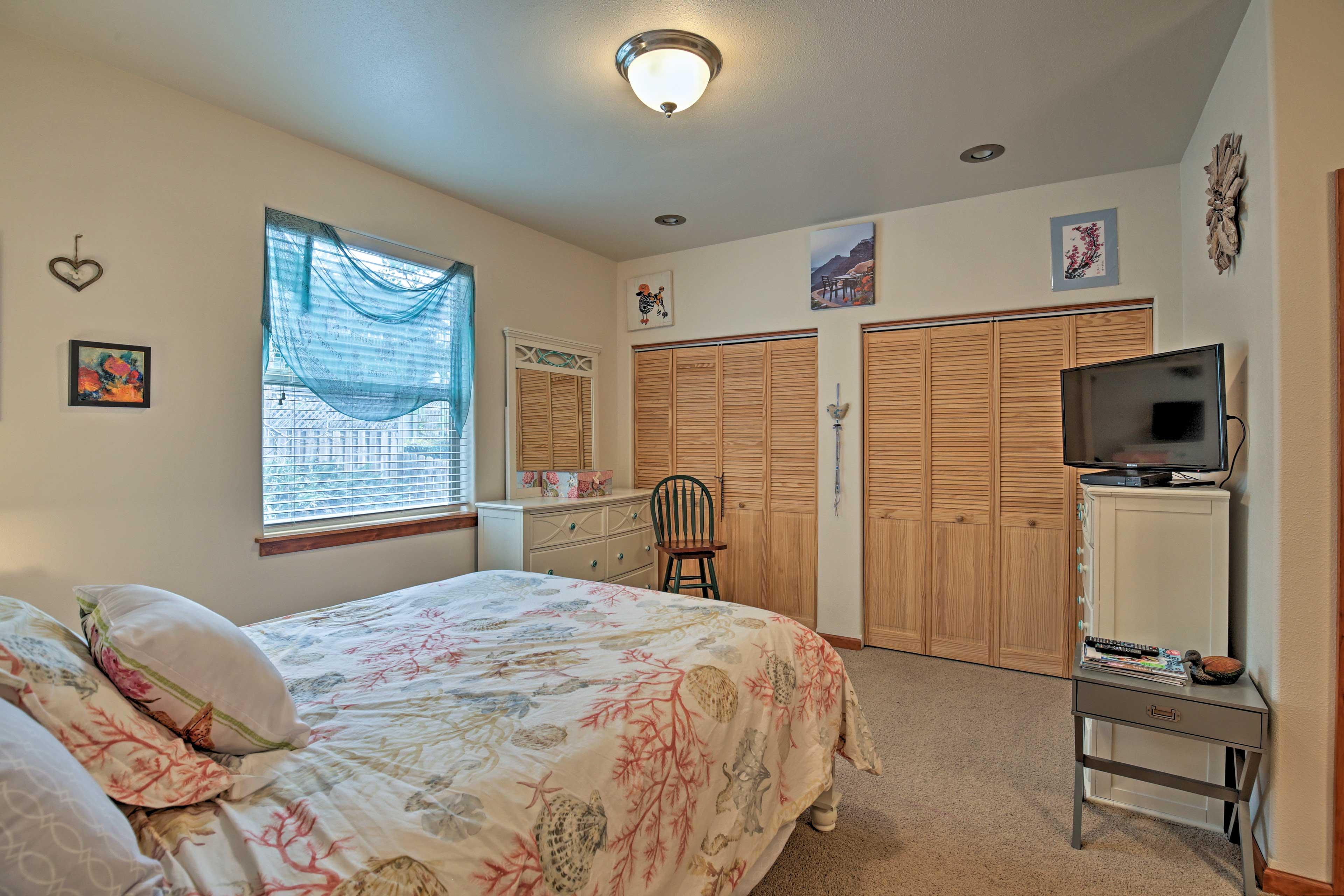 Both rooms boast comfortable queen beds.