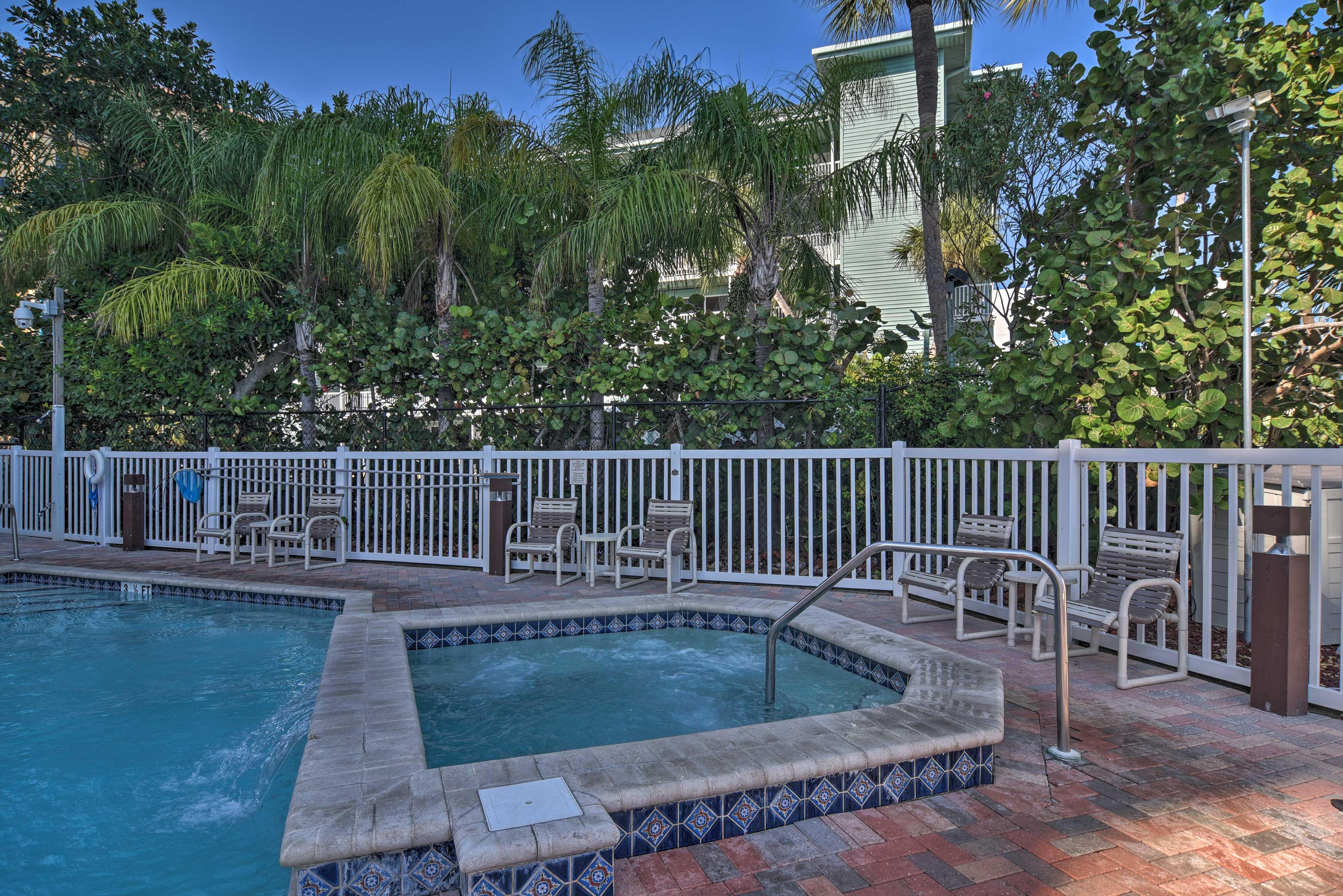 Harborview Grande | Community Pool Access