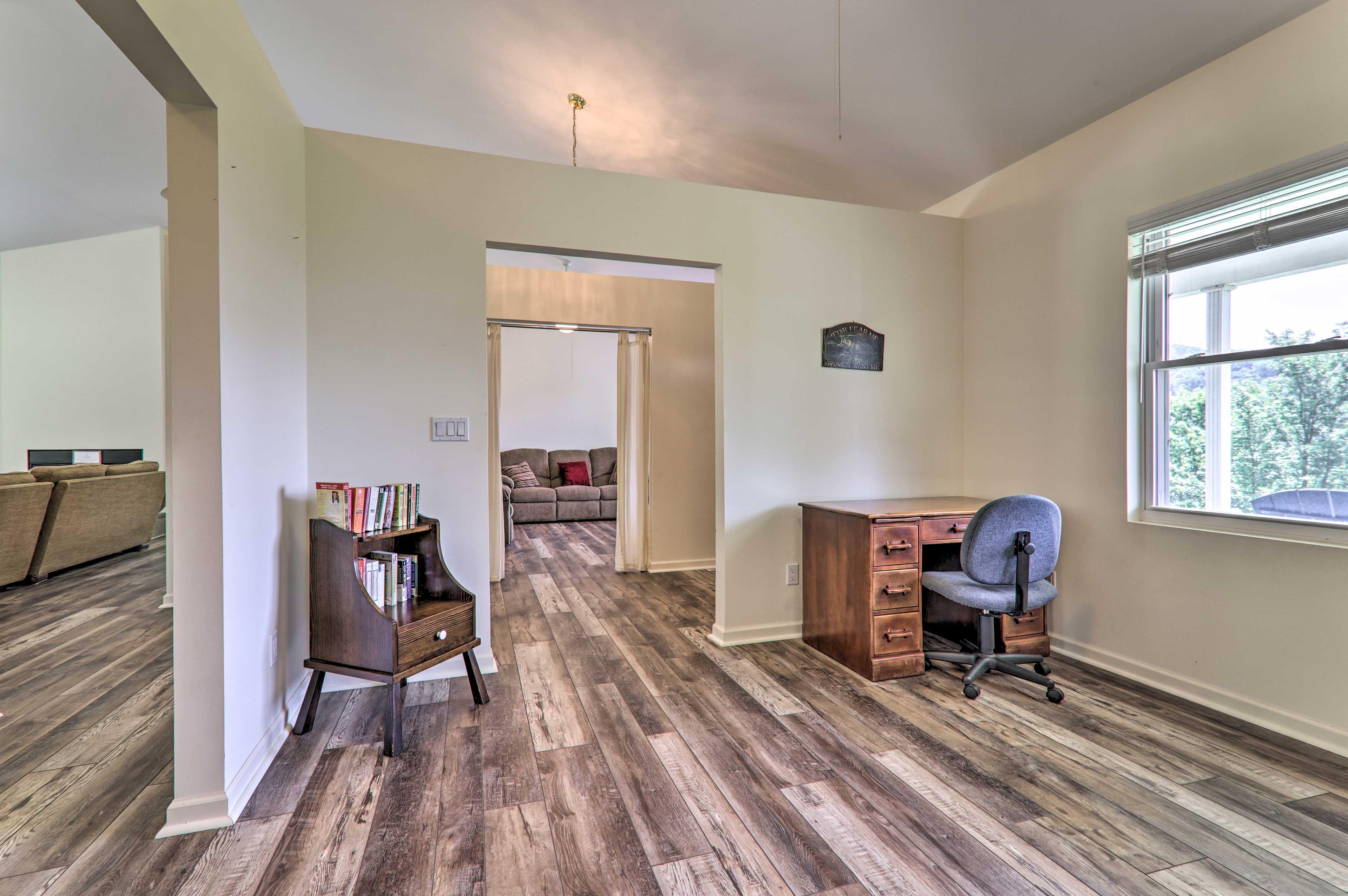 Den   Office Space