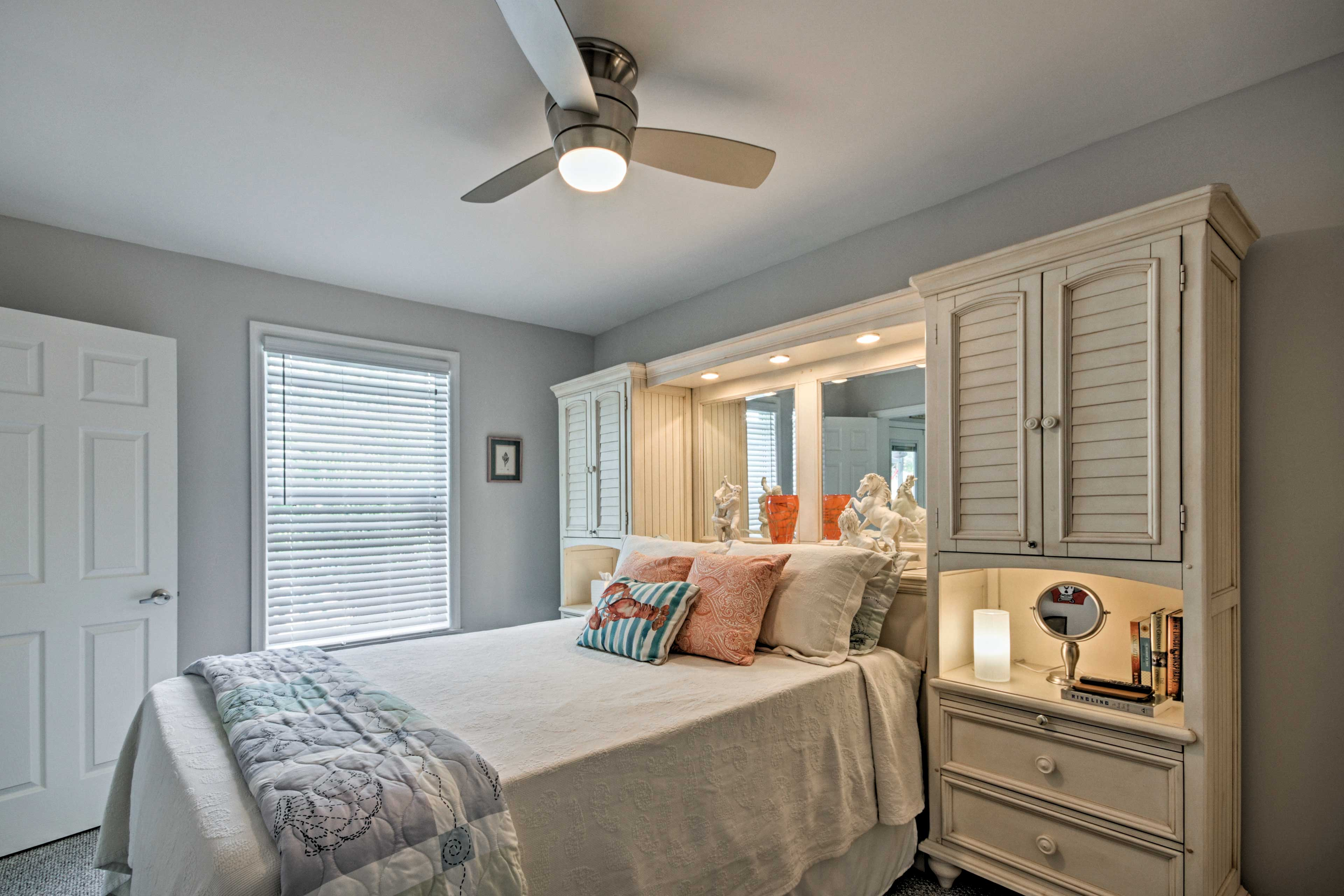 Retreat to one of the 3 bedrooms, sleeping up to 6 guests.