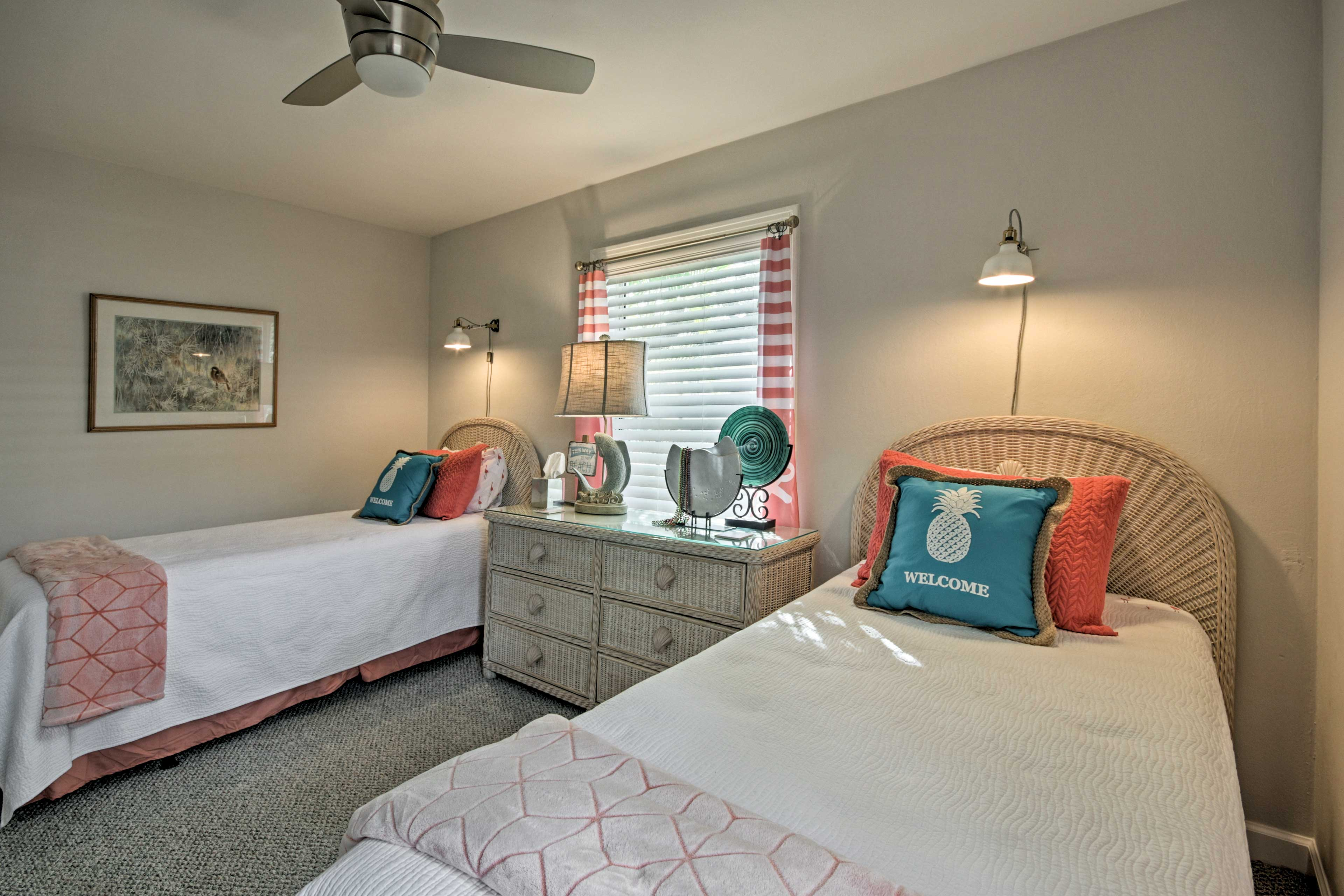 The third bedroom with 2 twin beds is perfect for children or siblings!