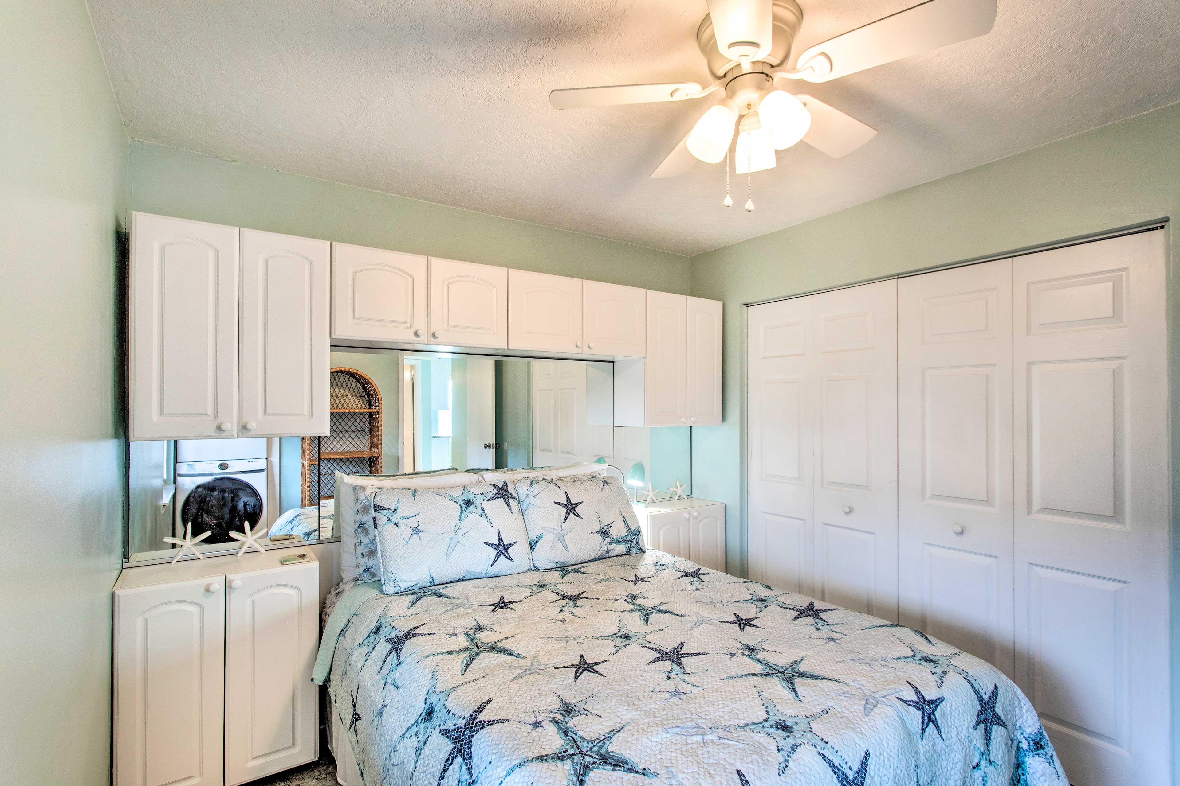 This room is perfect for couples and has lots of storage.