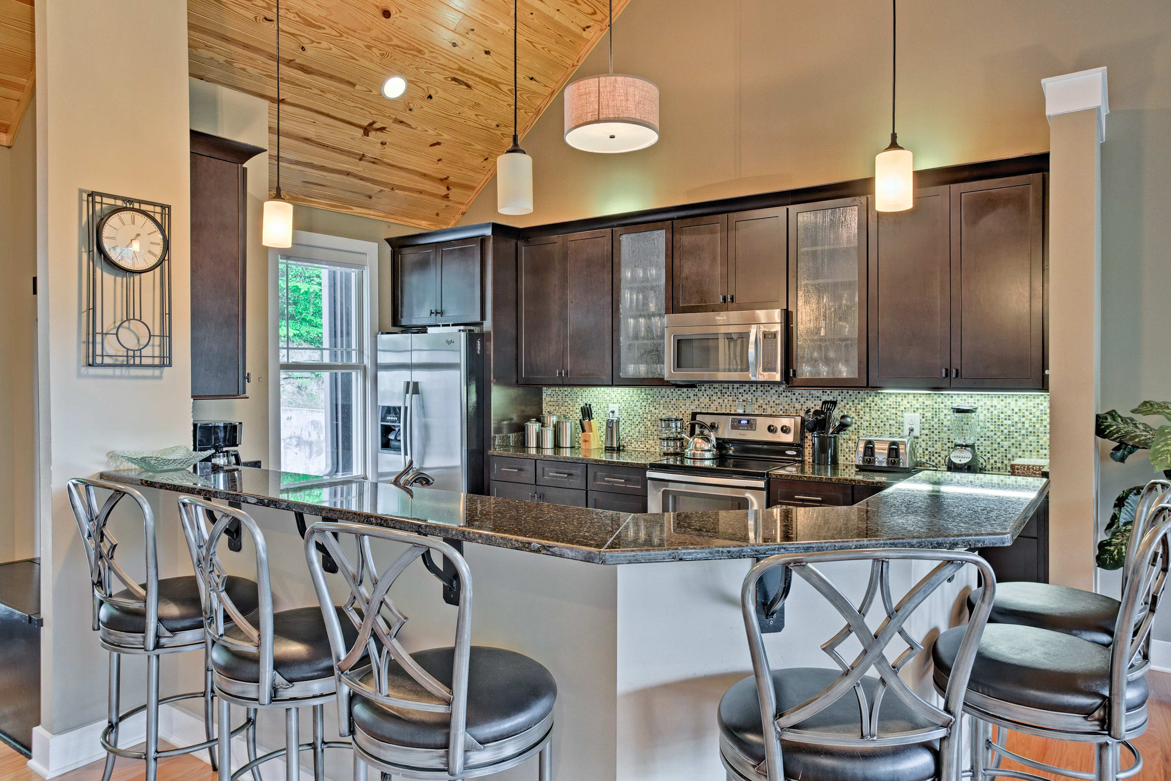 Guests can watch you cook from the 6-person breakfast bar!