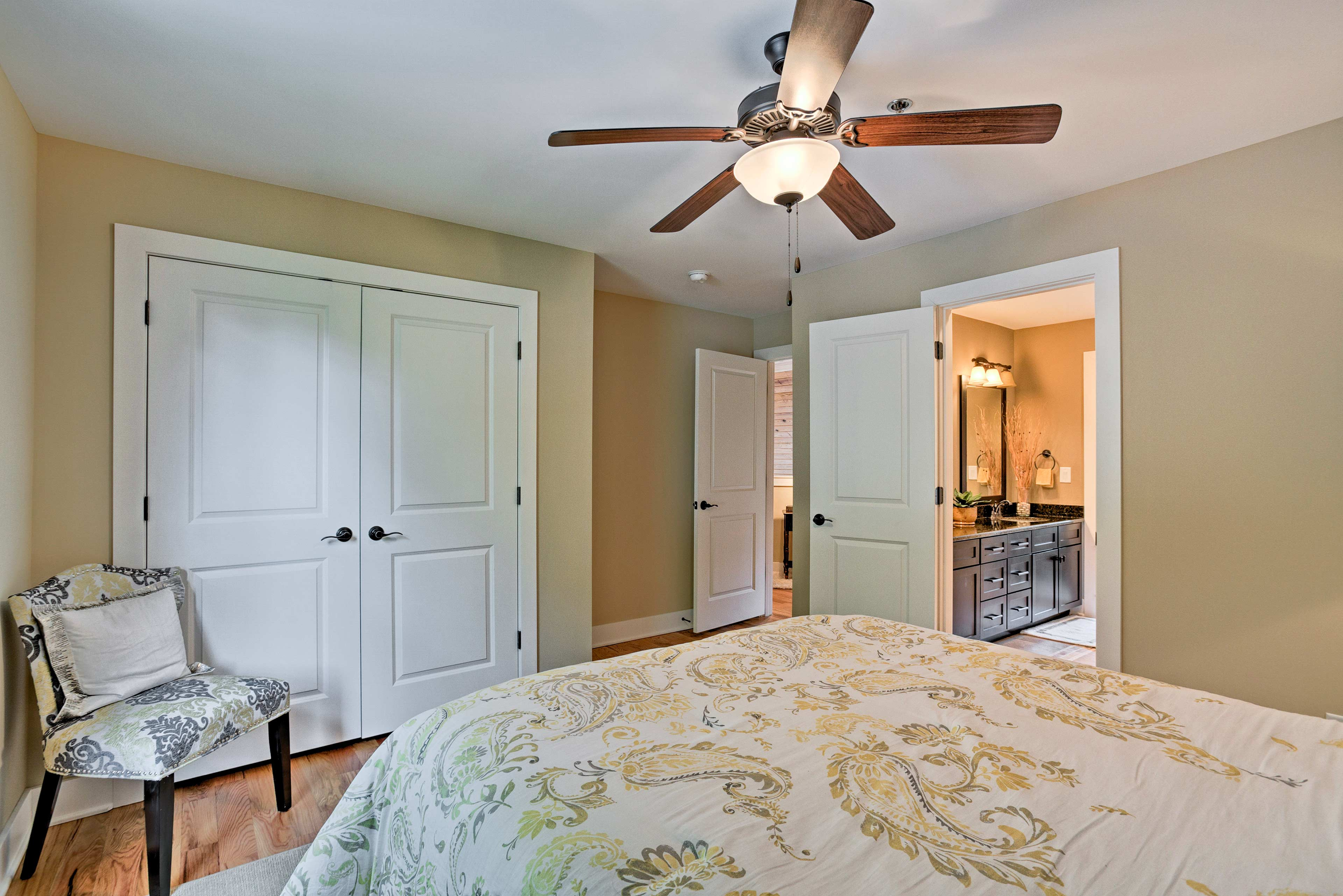 There's abundant closet space to store your belongings!