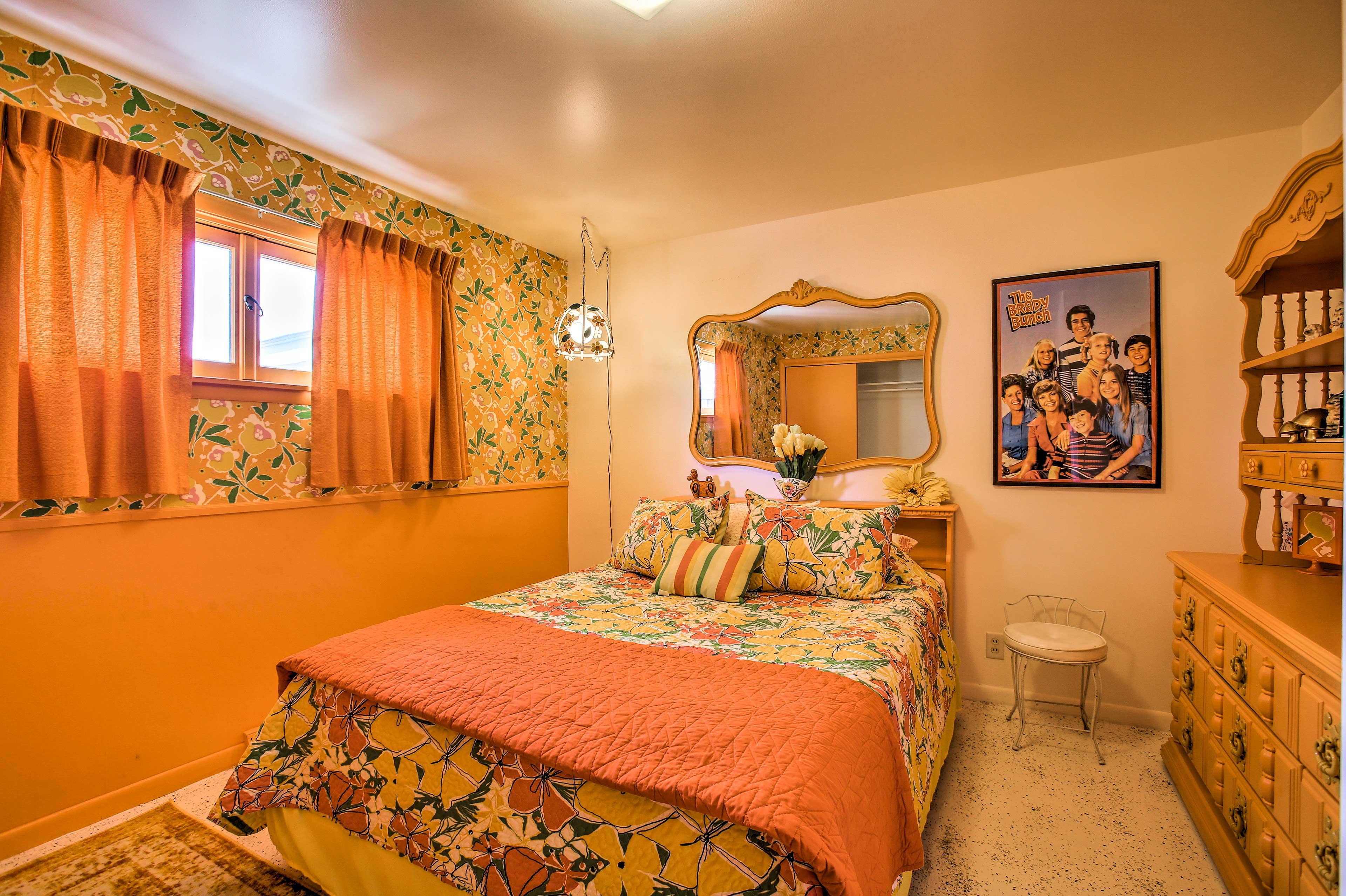 Bedroom 5 | 'The Marsha Brady Room' | Queen Bed