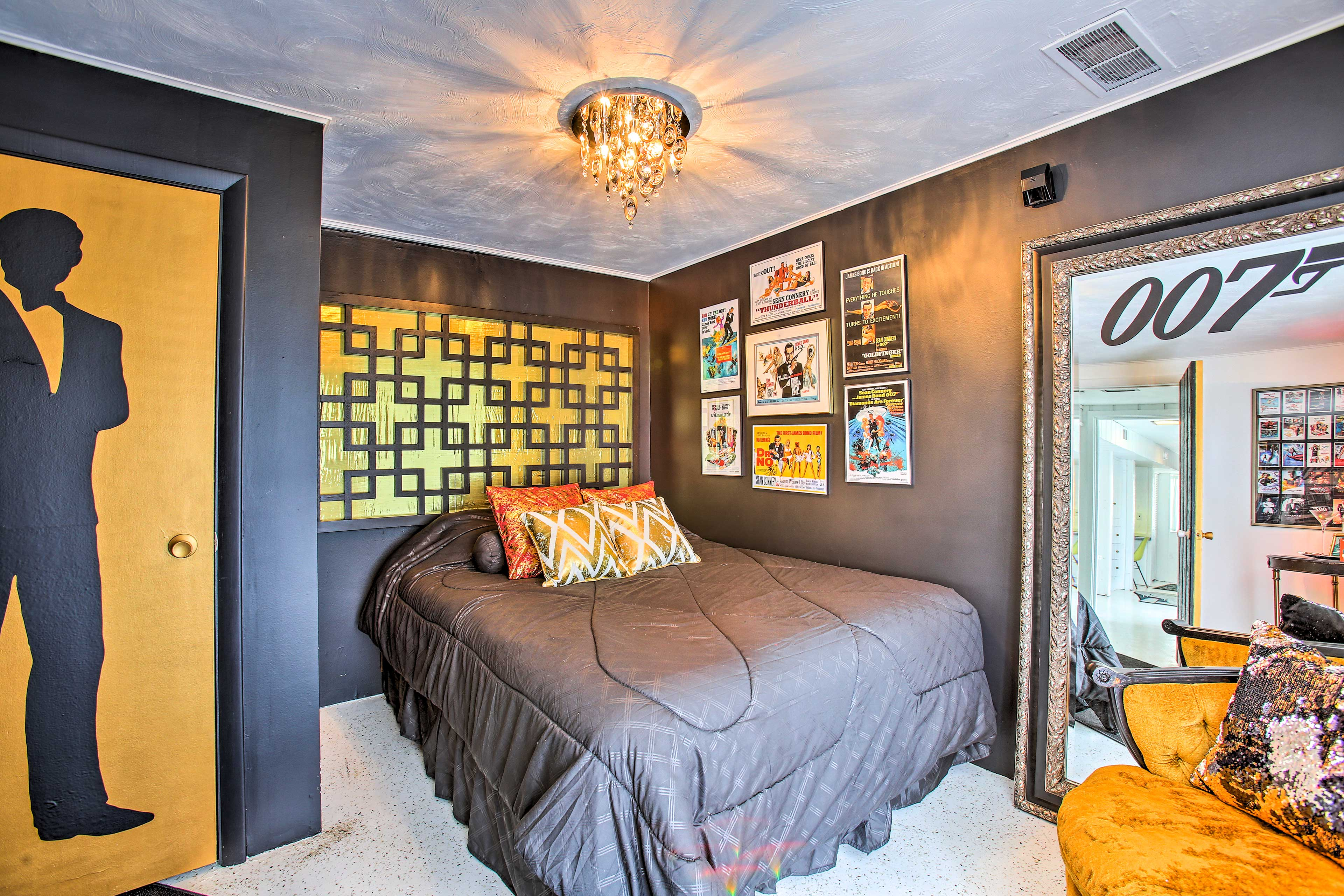 Bedroom 3 (007) | Queen Bed