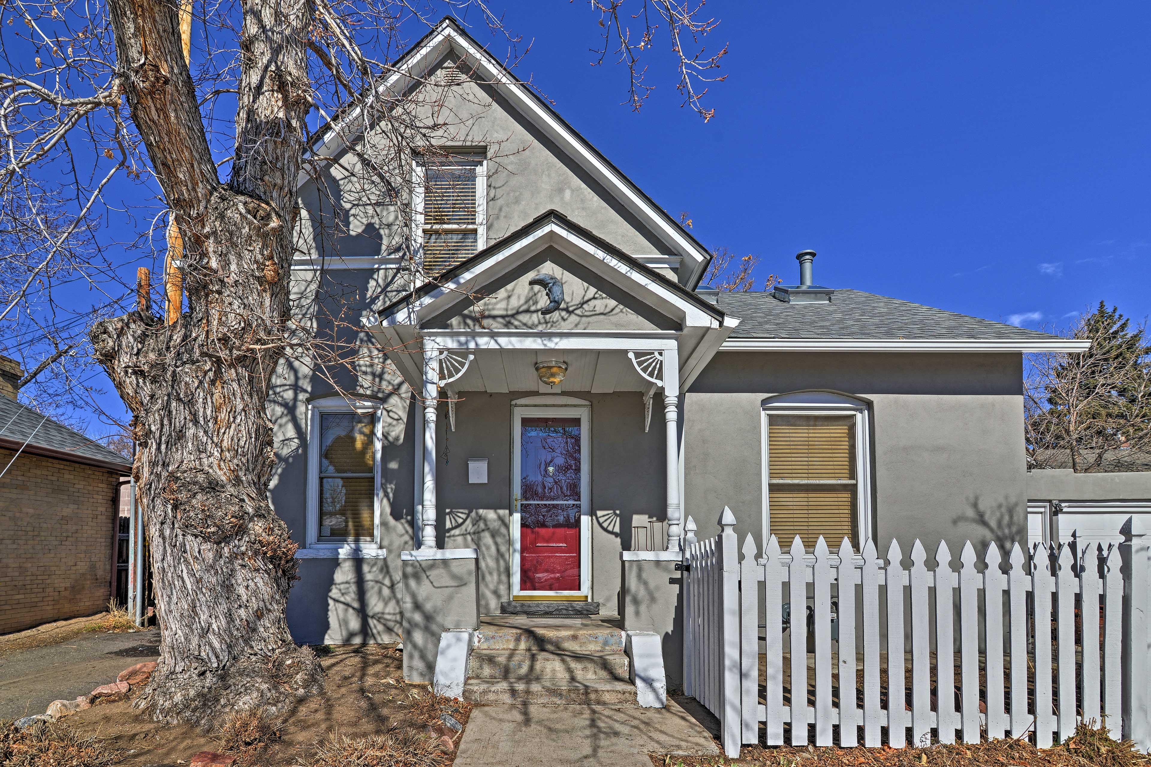 Nestled in the Platt Park neighborhood you'll find this family rental home!