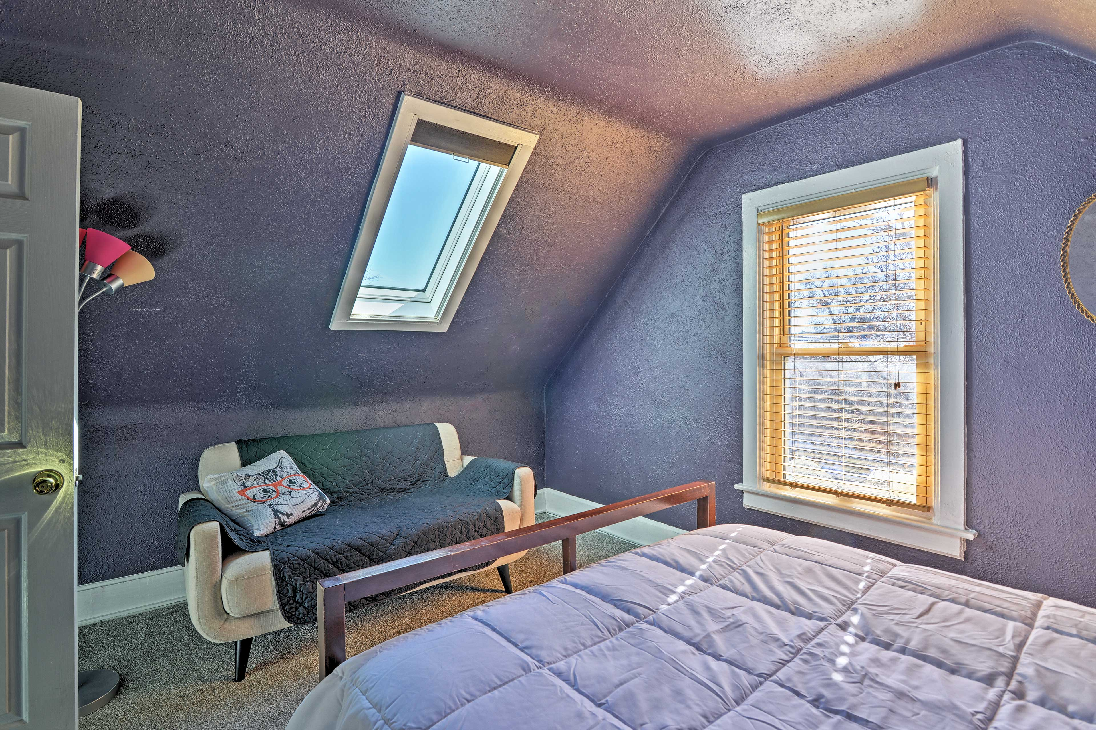 Wake up to natural sunlight from the skylight!
