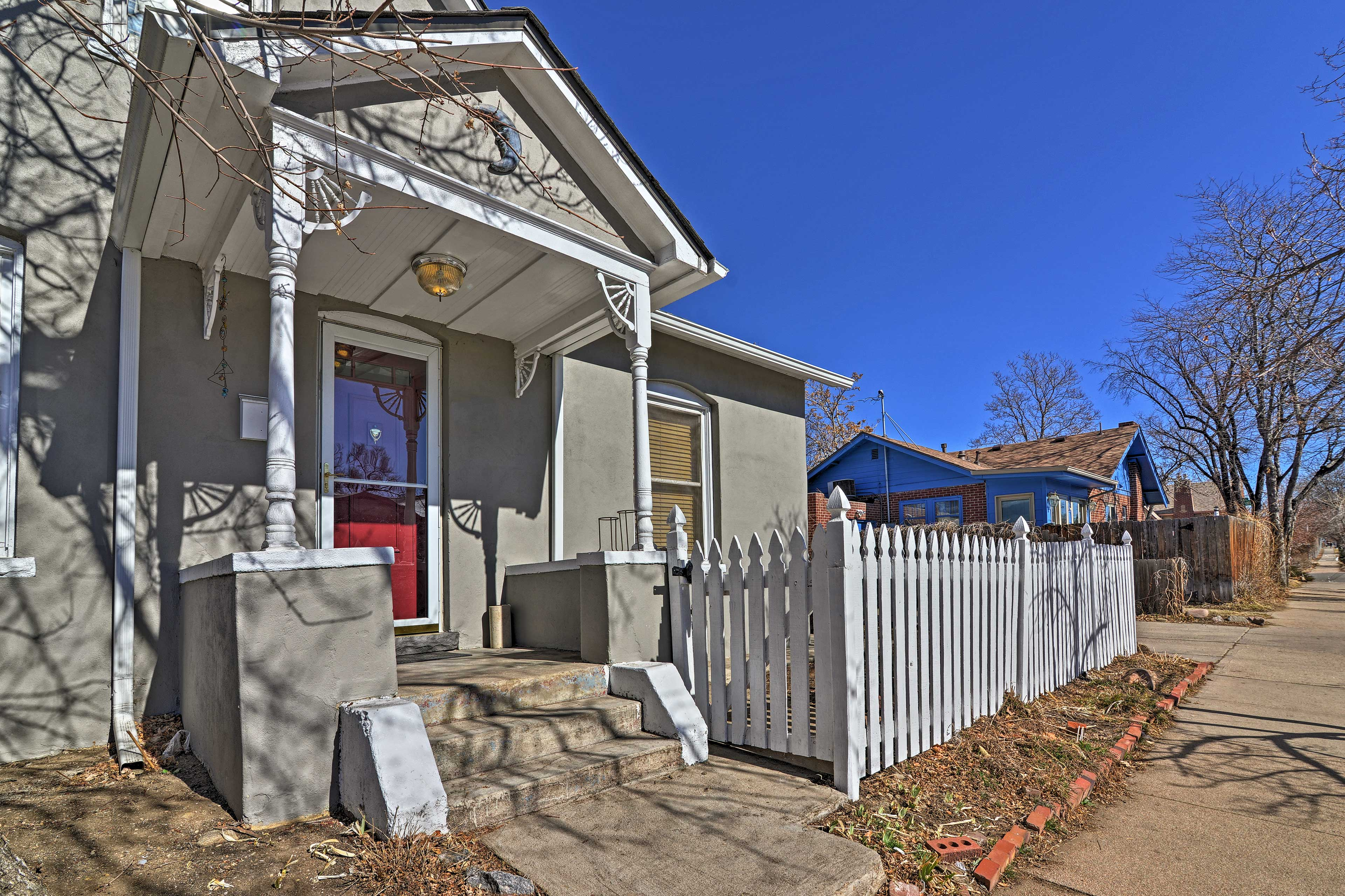 This house is within walking distance of Platt Park and South Pearl Street.