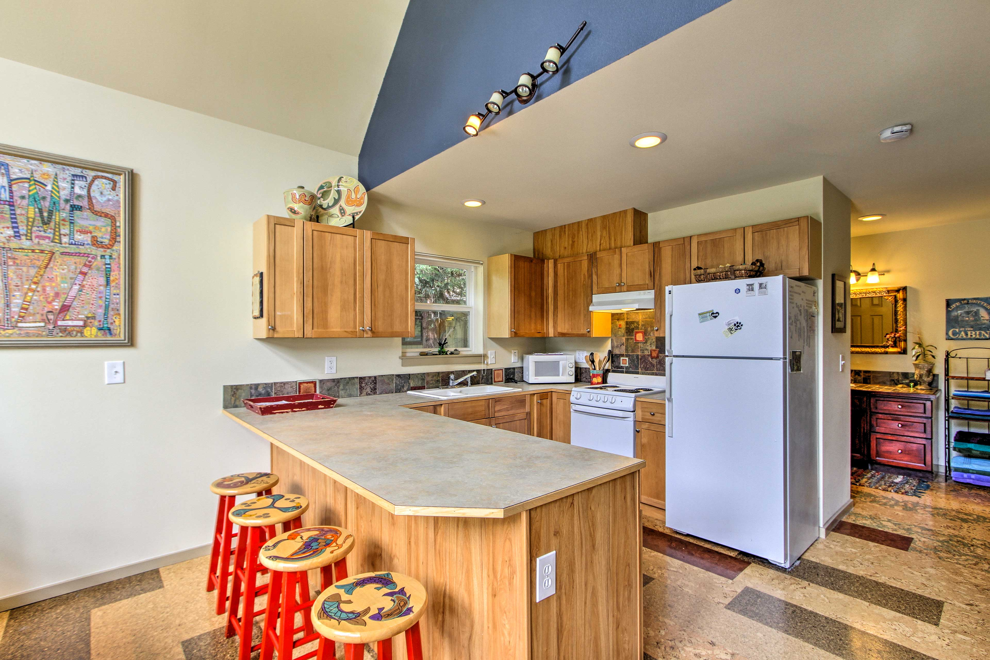 Guests can watch you cook from the breakfast bar!