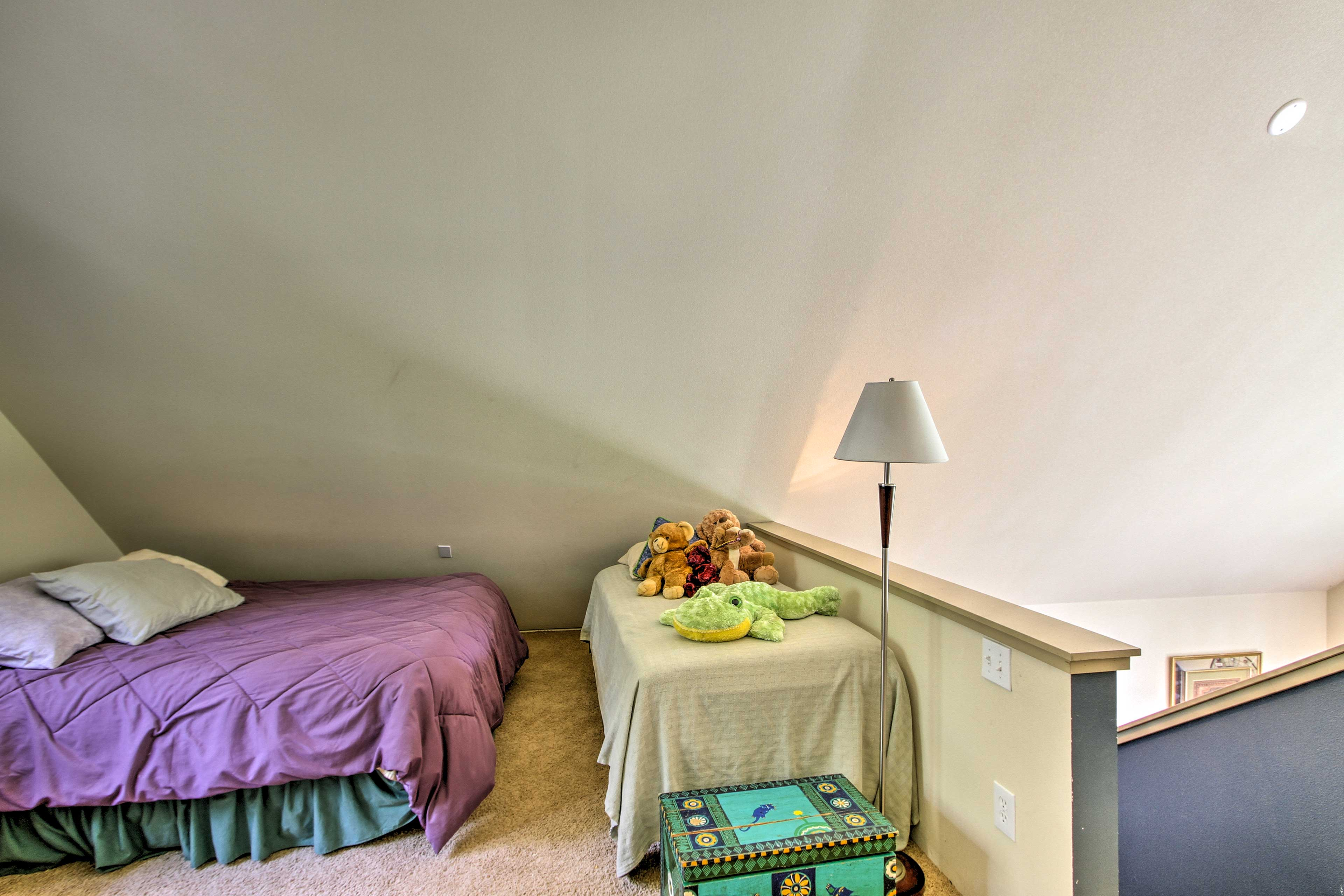 With a queen, full, and twin bed, the loft sleeps 5!