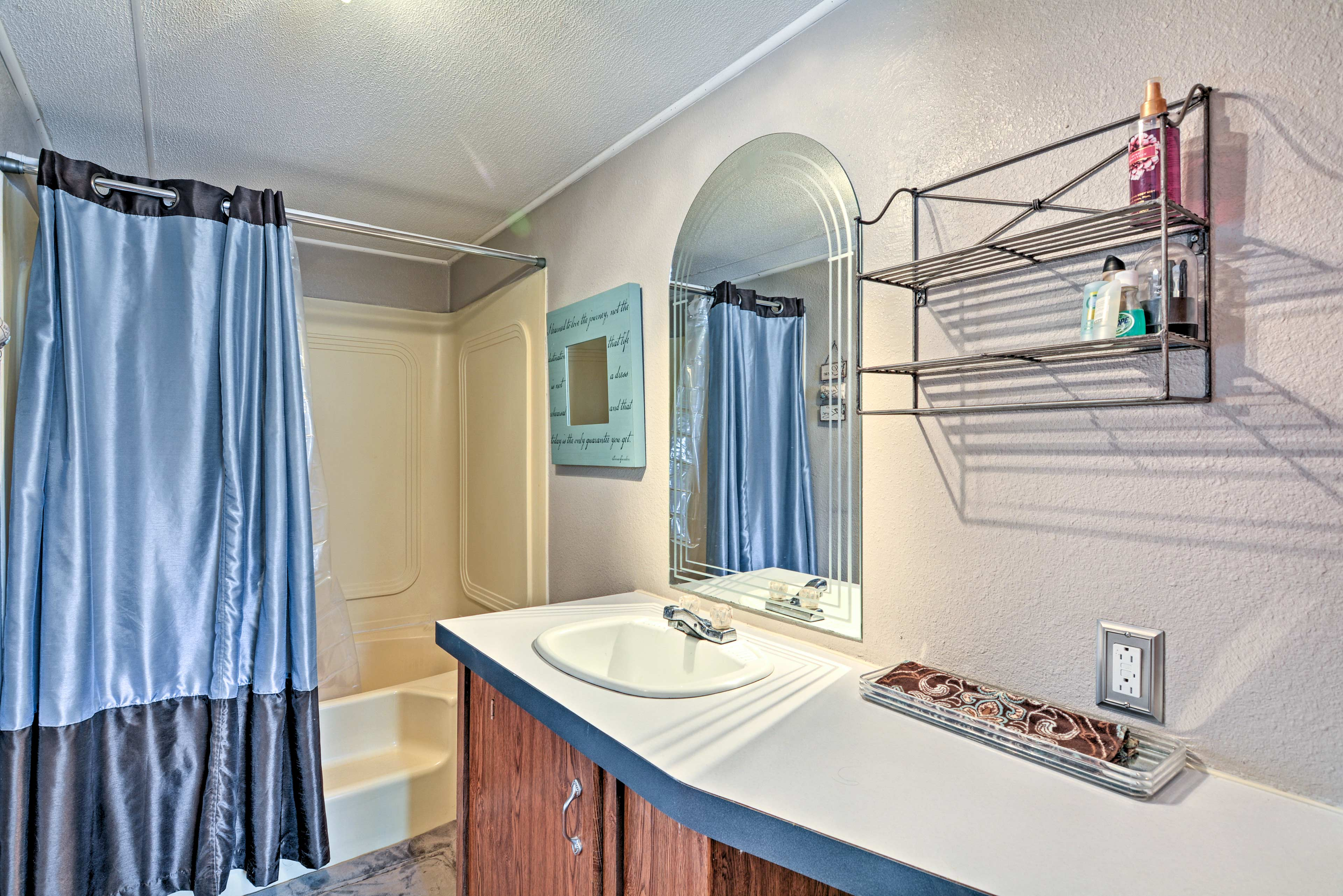 The home's 2 full bathrooms are also stocked with complimentary toiletries.