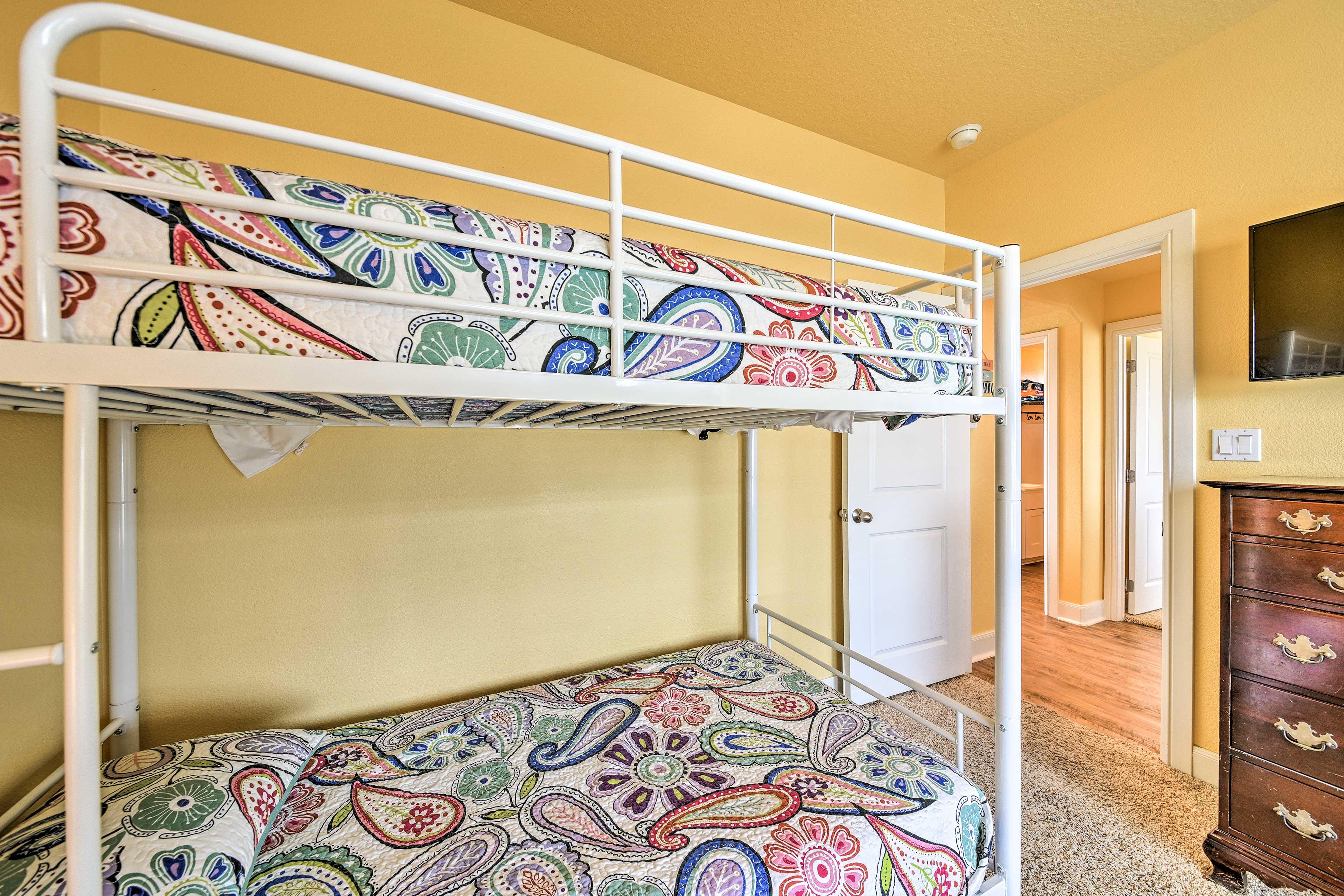 Bedroom 3   TV w/ YouTube TV