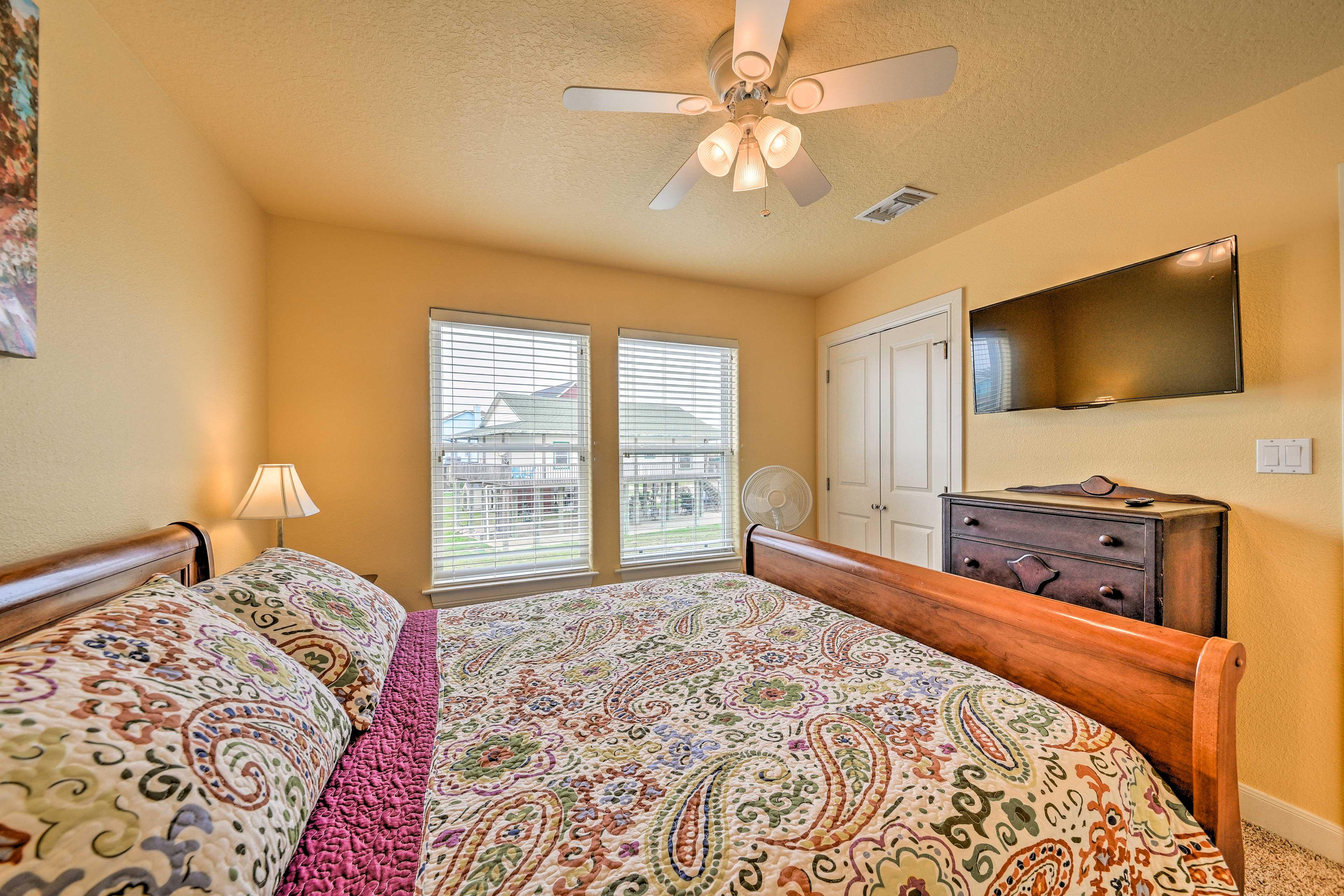 Bedroom 2   TV w/ YouTube TV