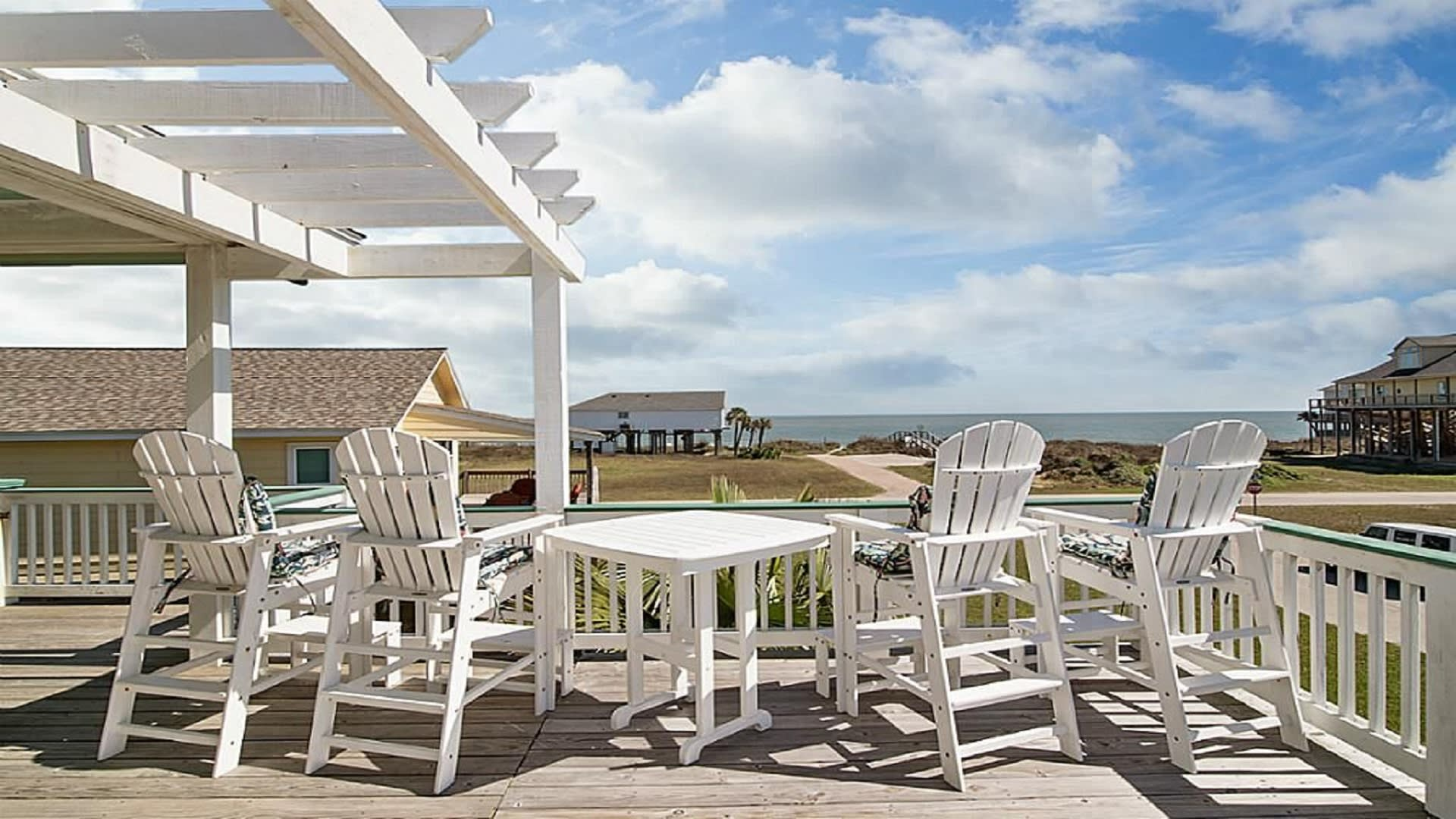 Freeport Vacation Rental Home   3BR   2BA   1,377 Sq Ft   Stairs Required