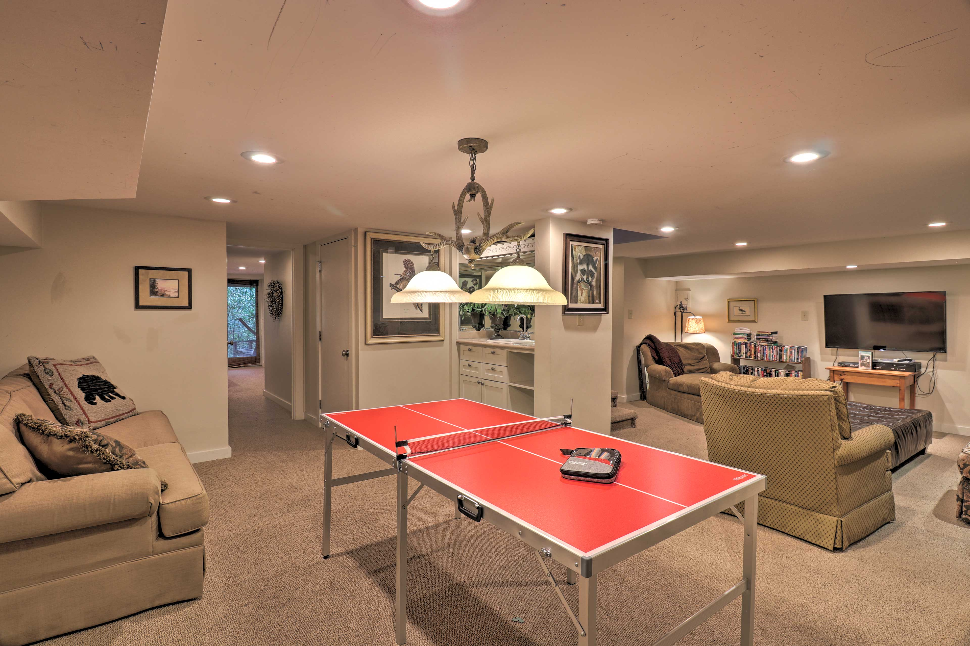 Furnished Basement   Ping Pong Table