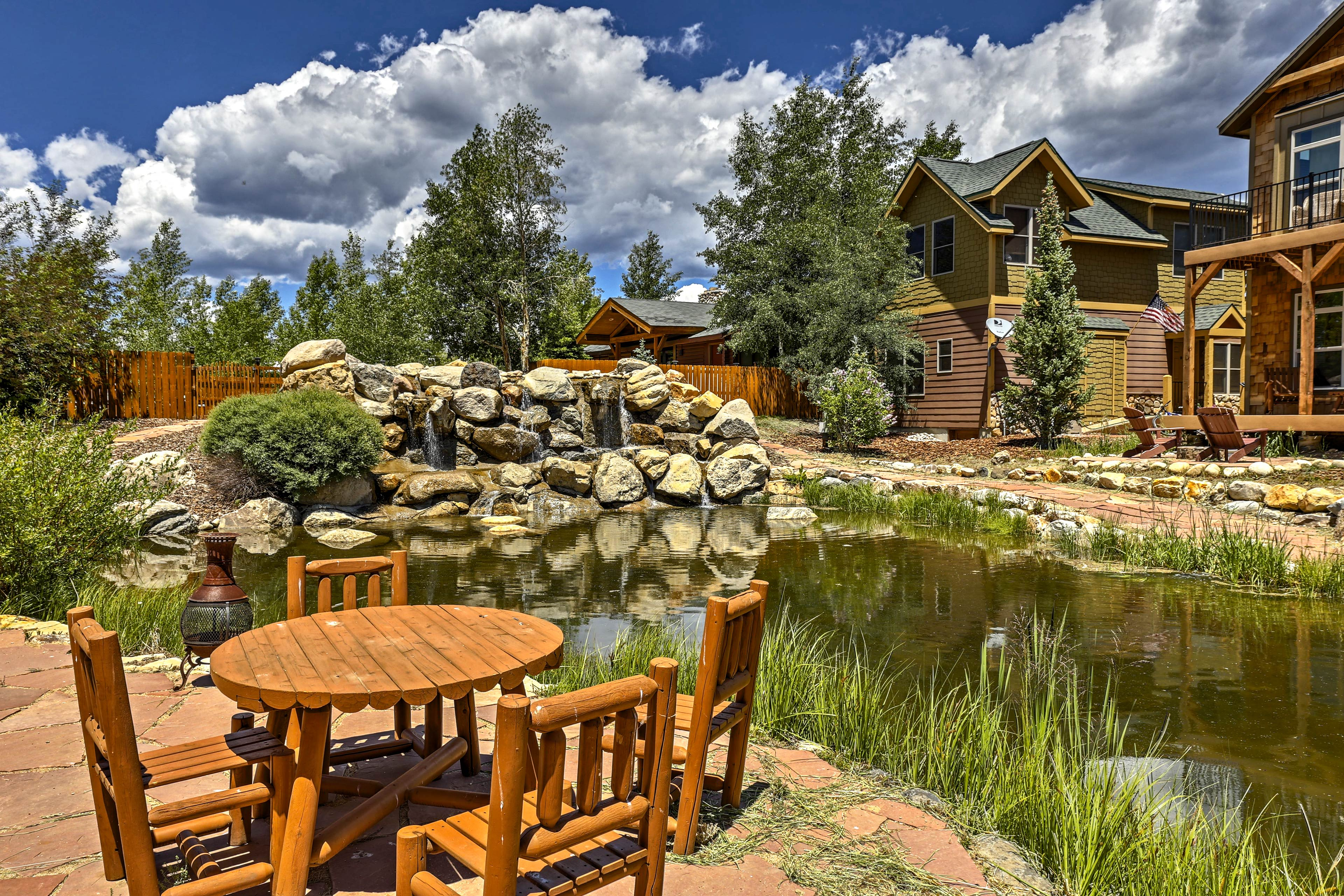 Get ready for a memorable trip at this 3-bed, 2.5-bath vacation rental house.